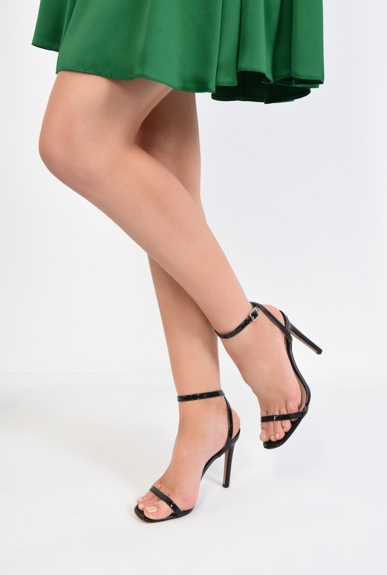4 - sandale elegante, din lac, negre, toc cui