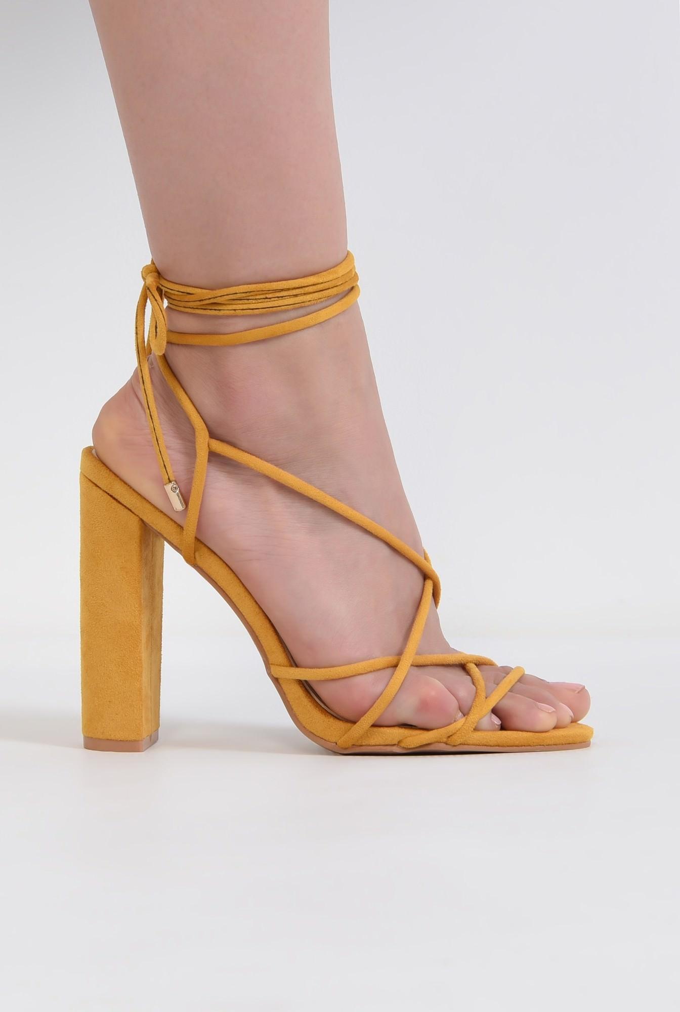 0 - sandale elegante, din velur, mustar, barete tip snur