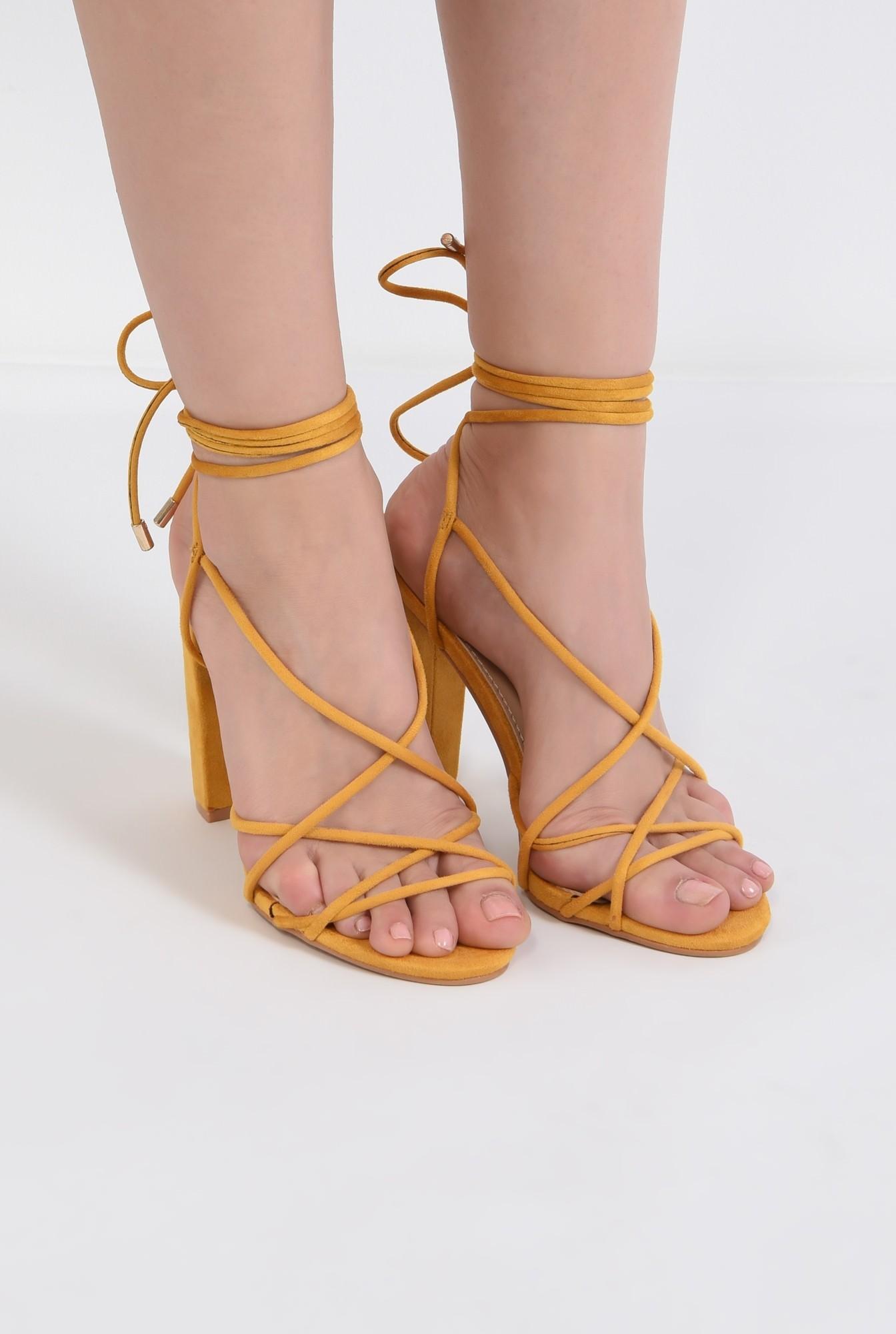 1 - sandale elegante, din velur, mustar, barete tip snur