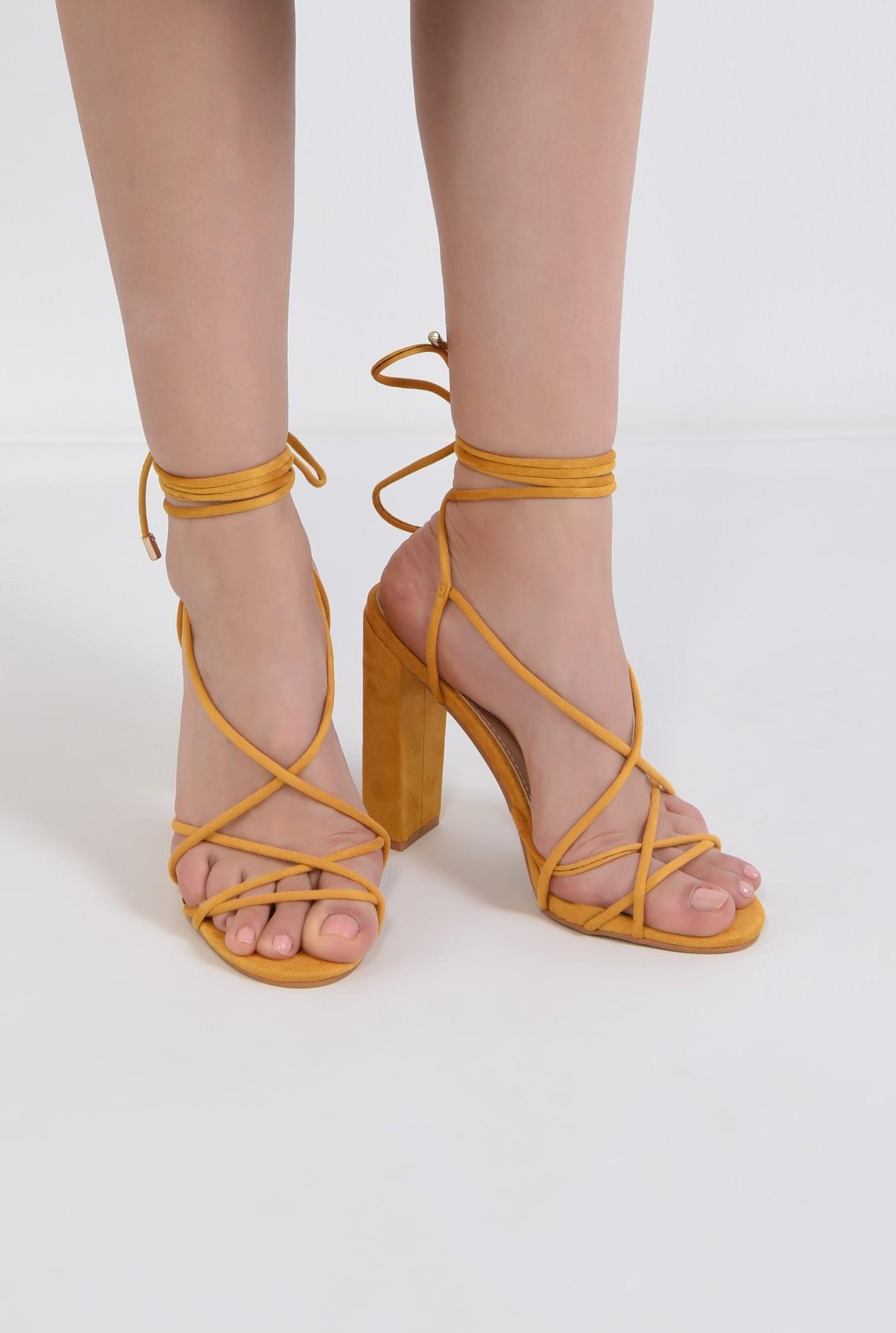 3 - sandale elegante, din velur, mustar, barete tip snur