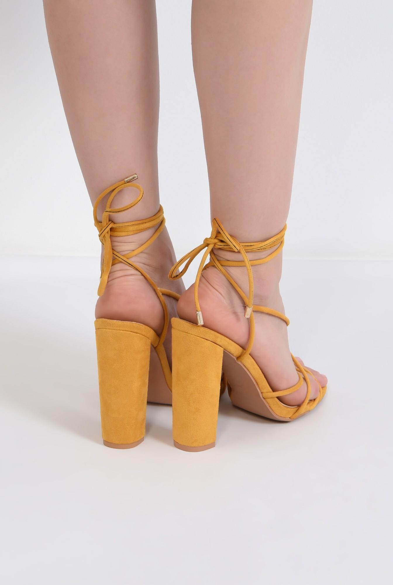 2 - sandale elegante, din velur, mustar, barete tip snur