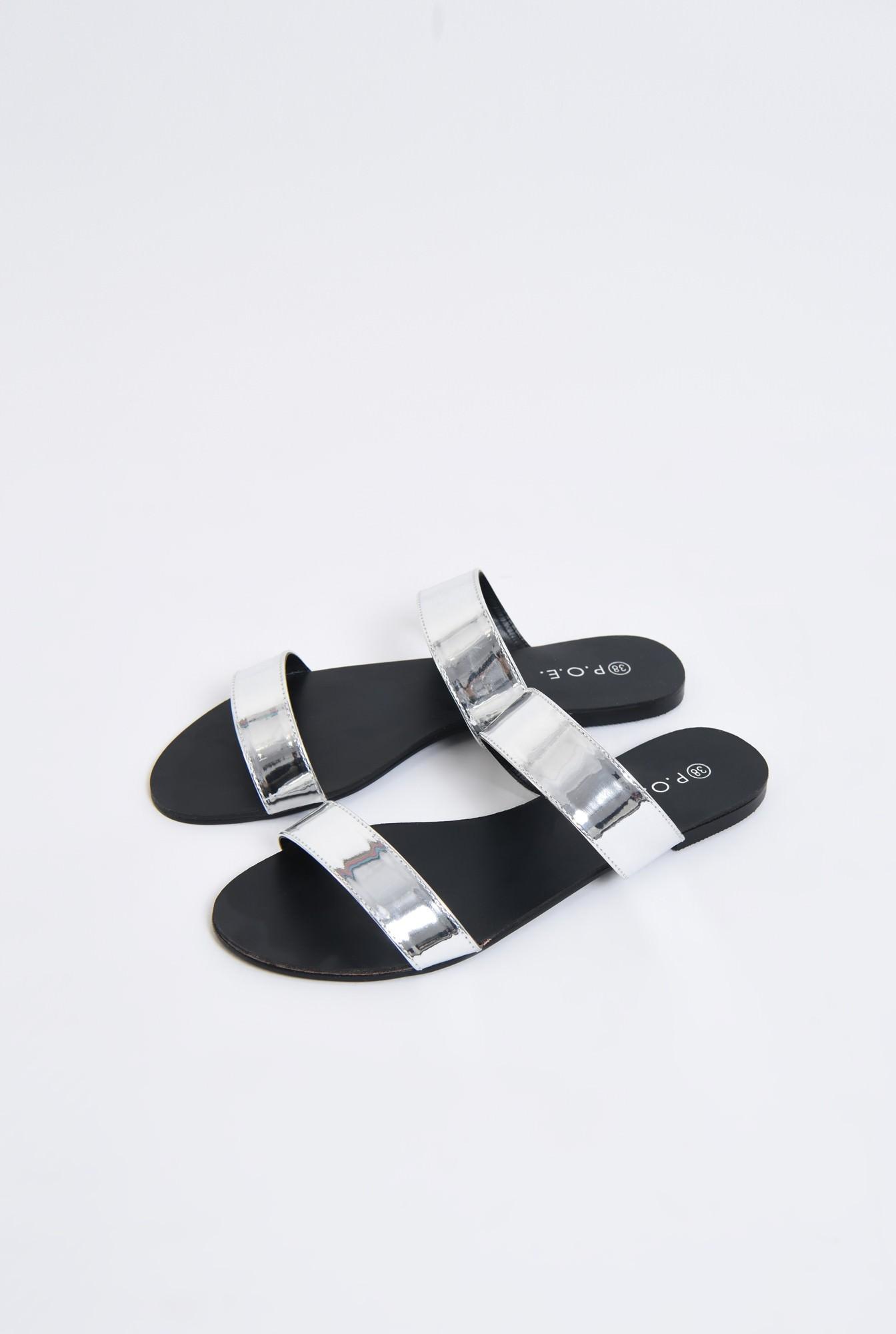 1 - papuci argintii, aspect metalic, cu talpa joasa