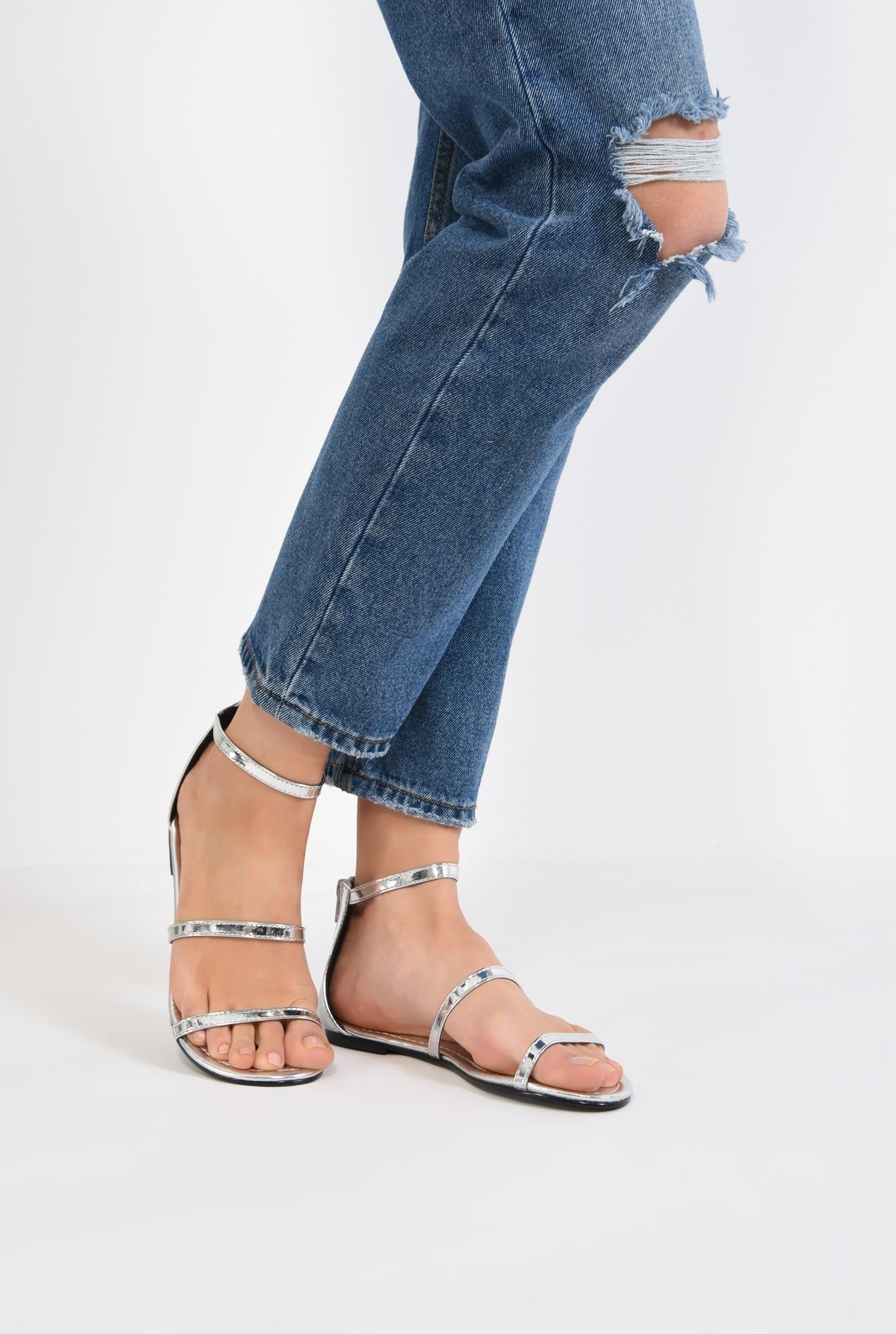 4 - sandale comode, fara toc, argintii, cu barete subtiri