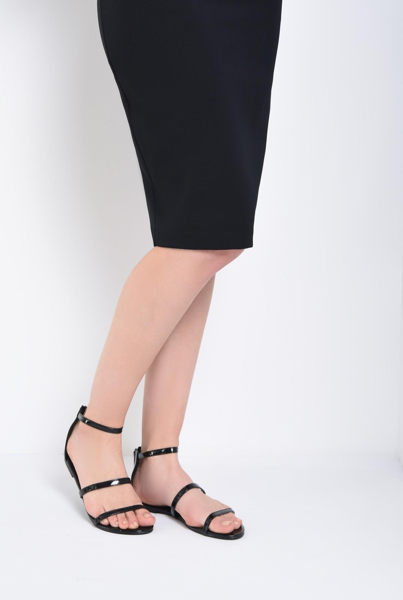 4 - sandale casual, cu talpa joasa, barete subtiri