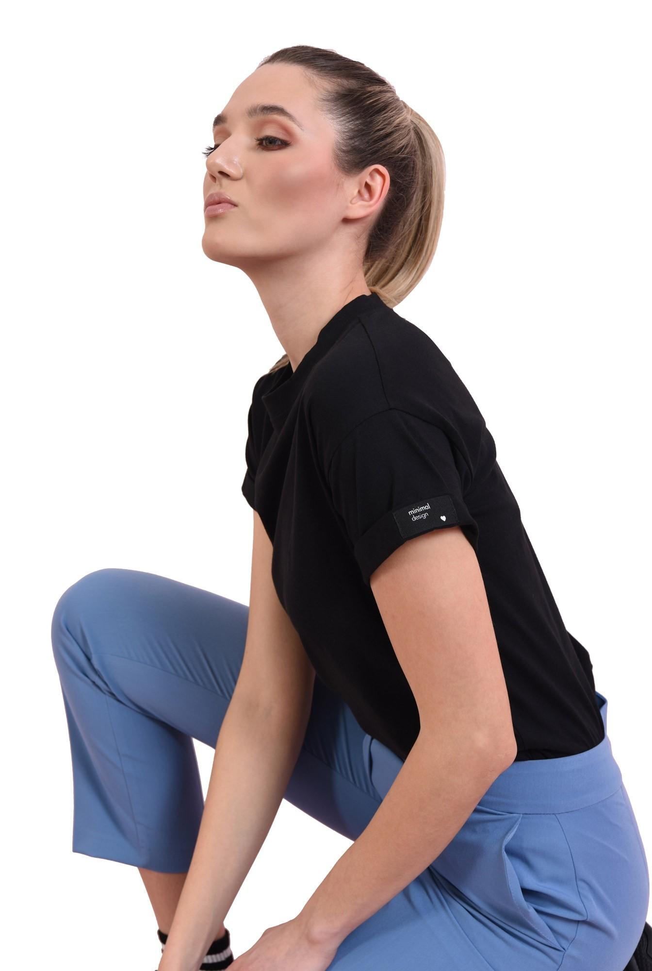 3 - tricou cu manseta, cu detaliu la maneca