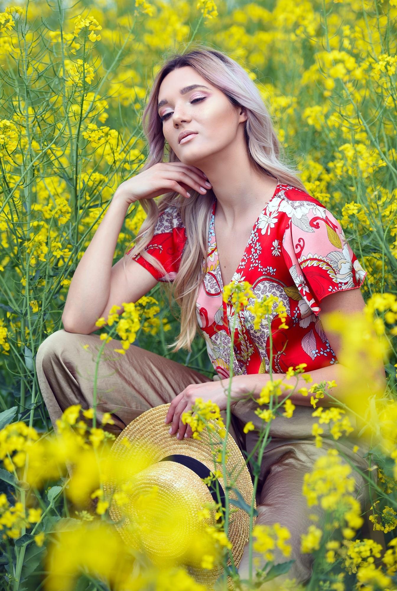bluza cu imprimeu, eleganta, cu maneci fluture, decolteu in V, Poema