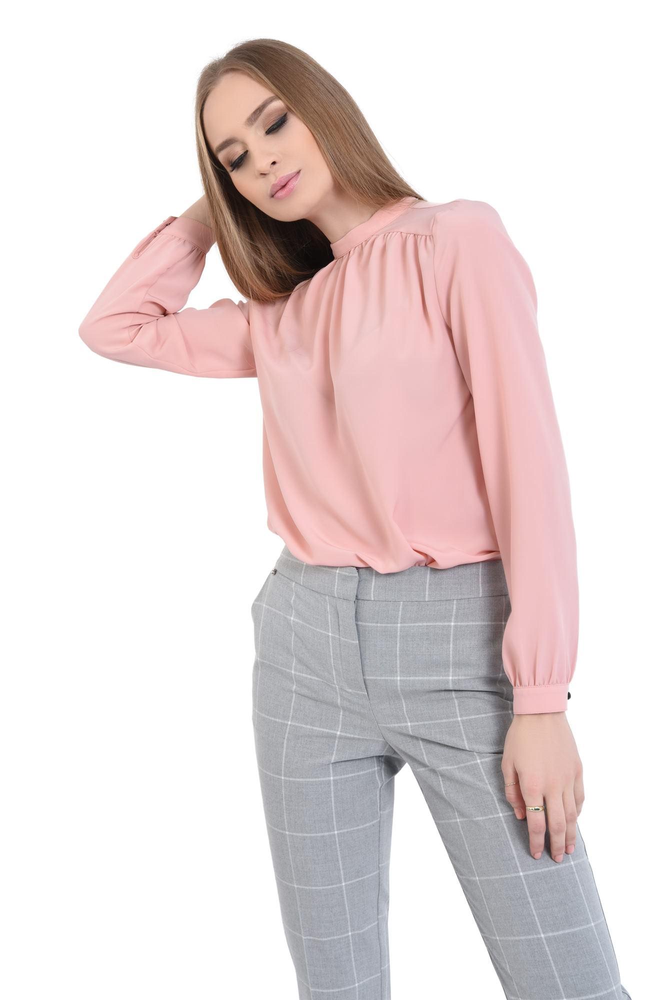 bluza roz, maneci bufante, cu mansete