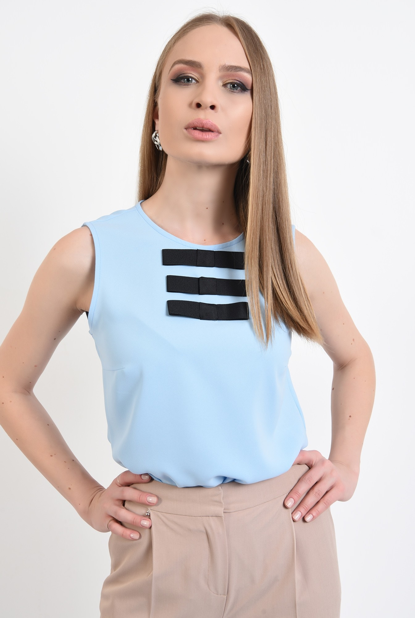 bluza bleu, fara maneci, cu funde negre, bluza office