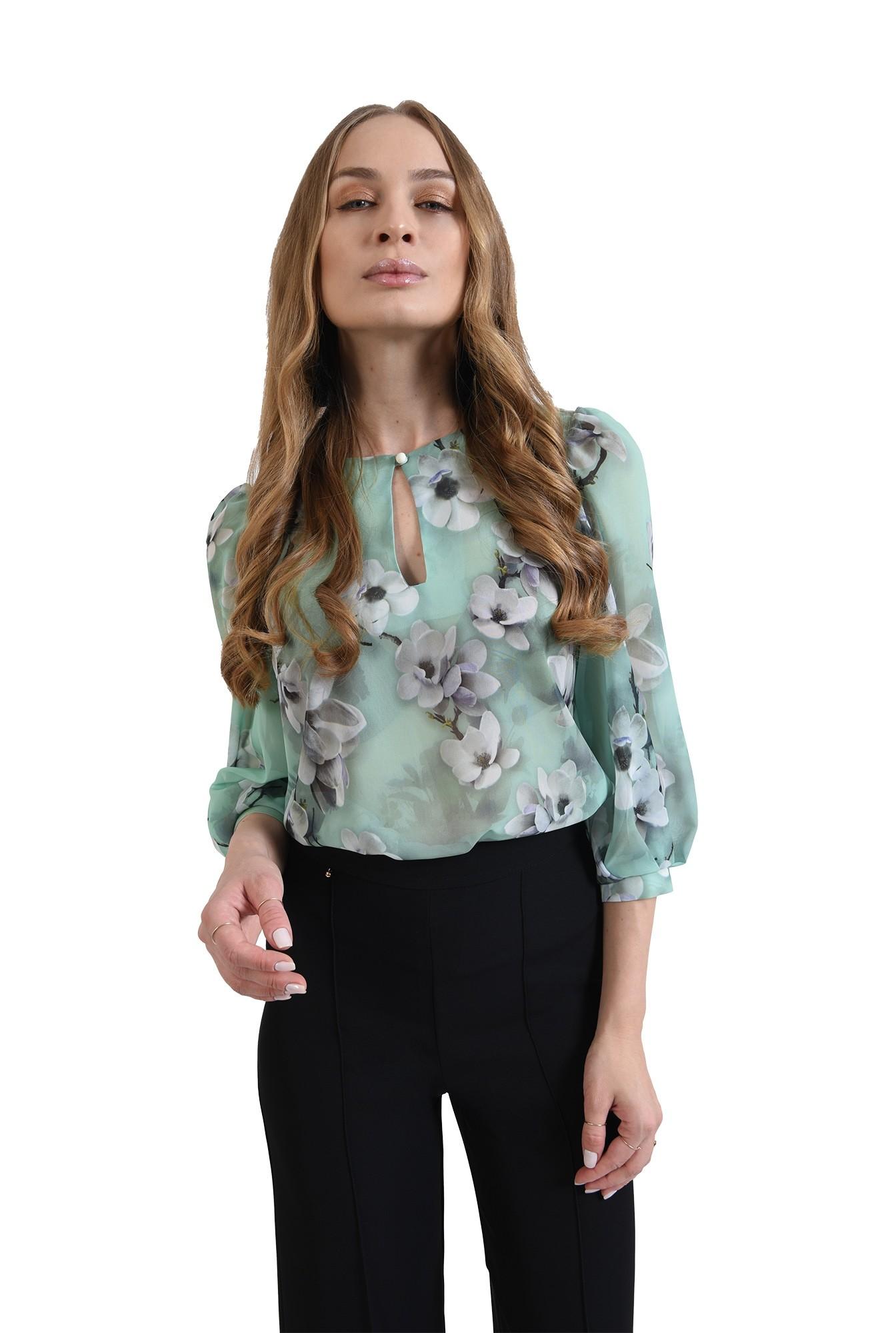 bluza cu fenta, cu motive florale