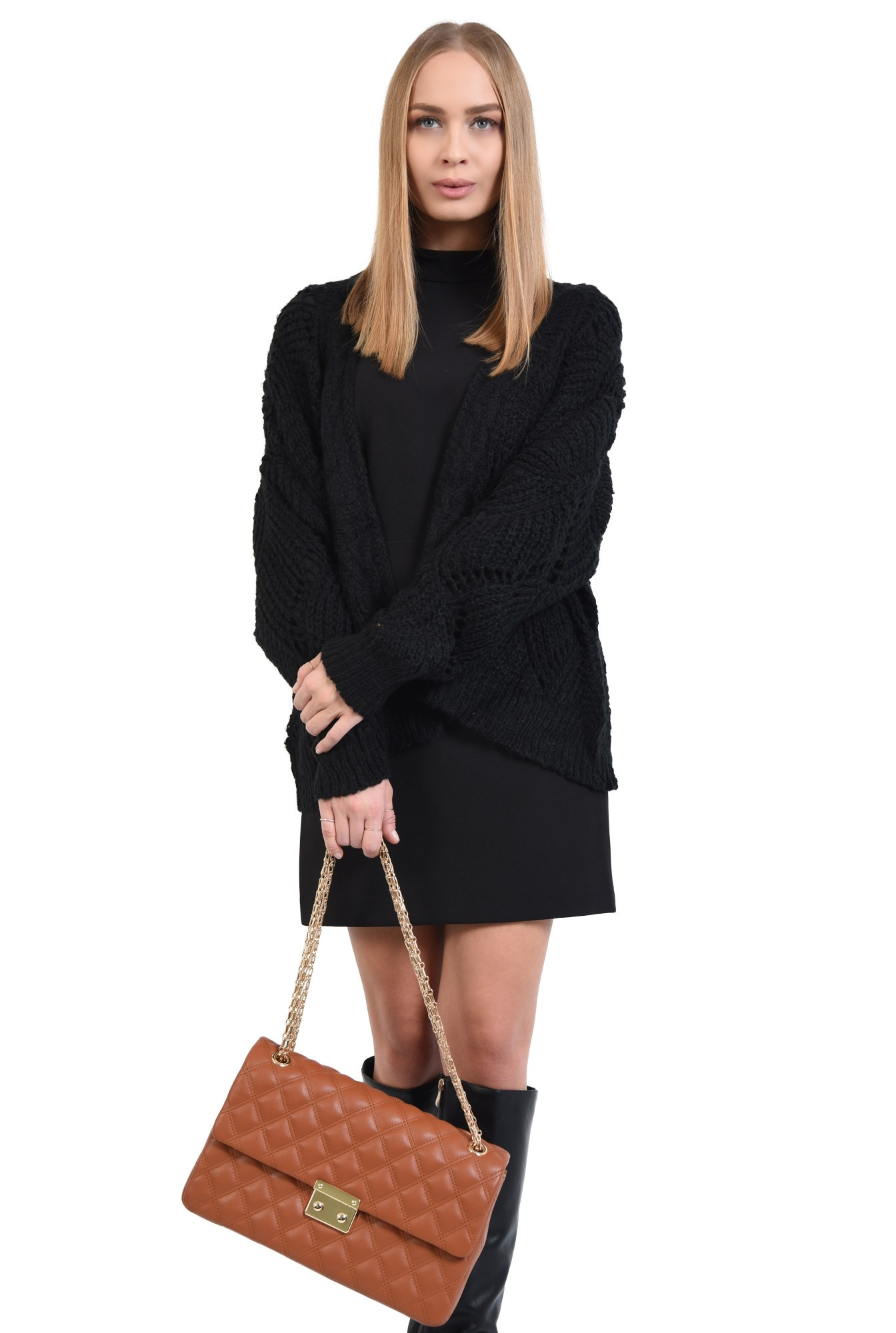 pulover cu gaurele, motive ajurate, maneci bufante, negru