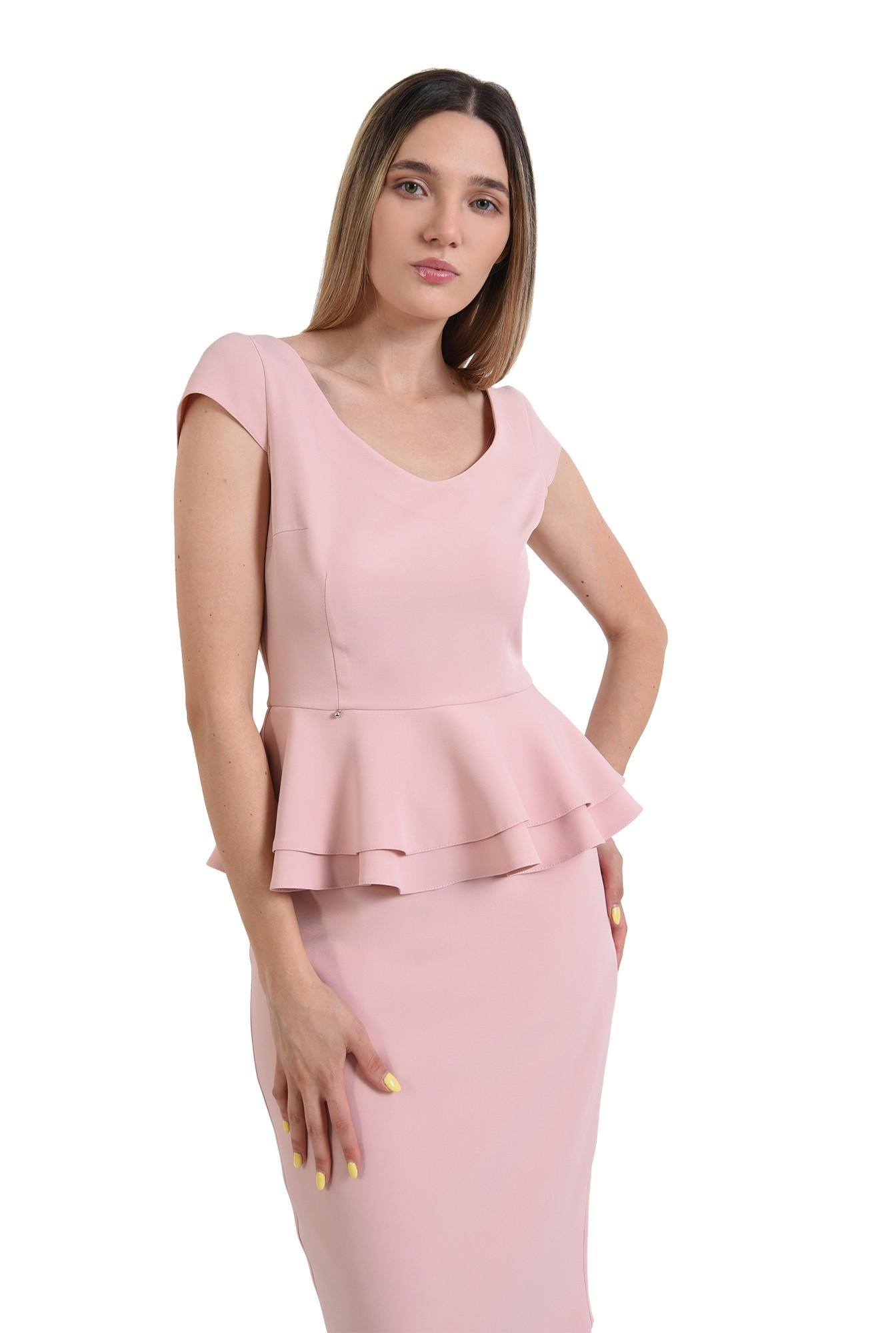 compleu roz, fusta midi, top cu peplum, compleu elegant