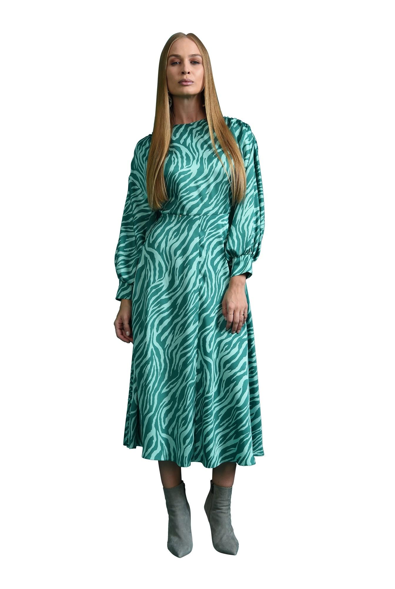 rochie midi, evazata, cu detaliu la umarul cazut