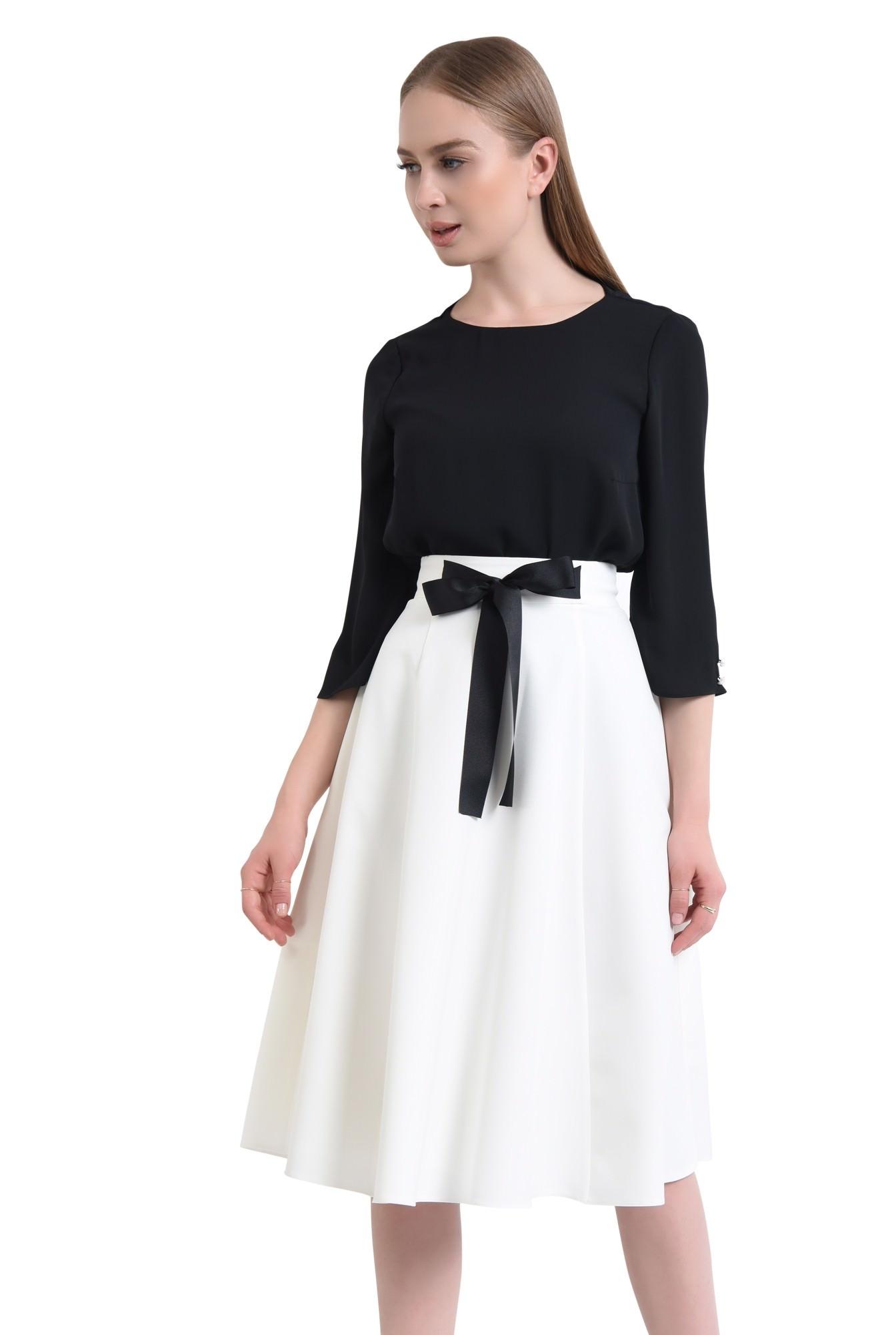 Fusta eleganta, funda, contrast alb-negru