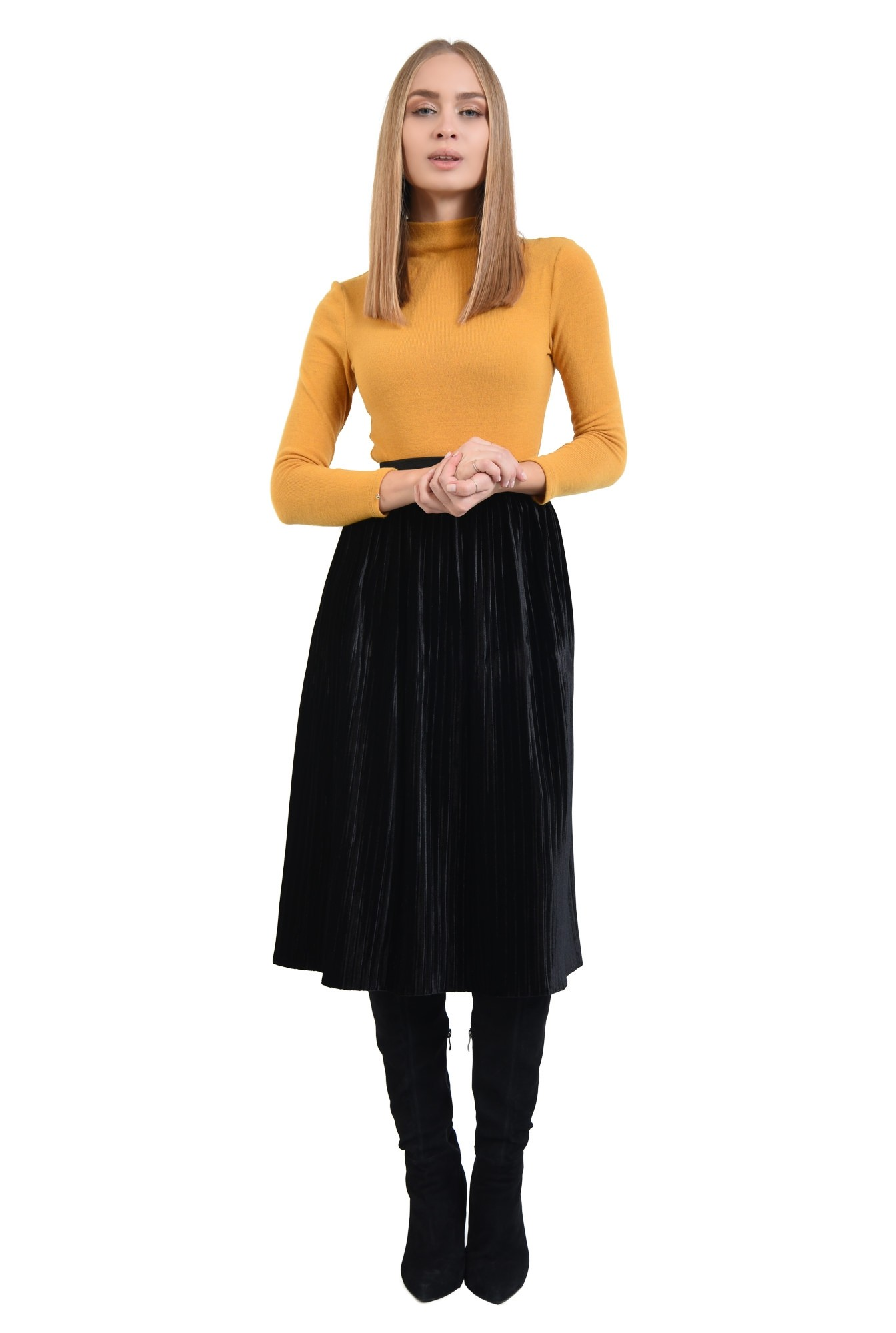 360 - fusta de ocazie, catifea neagra, croi evazat, cu pliseuri