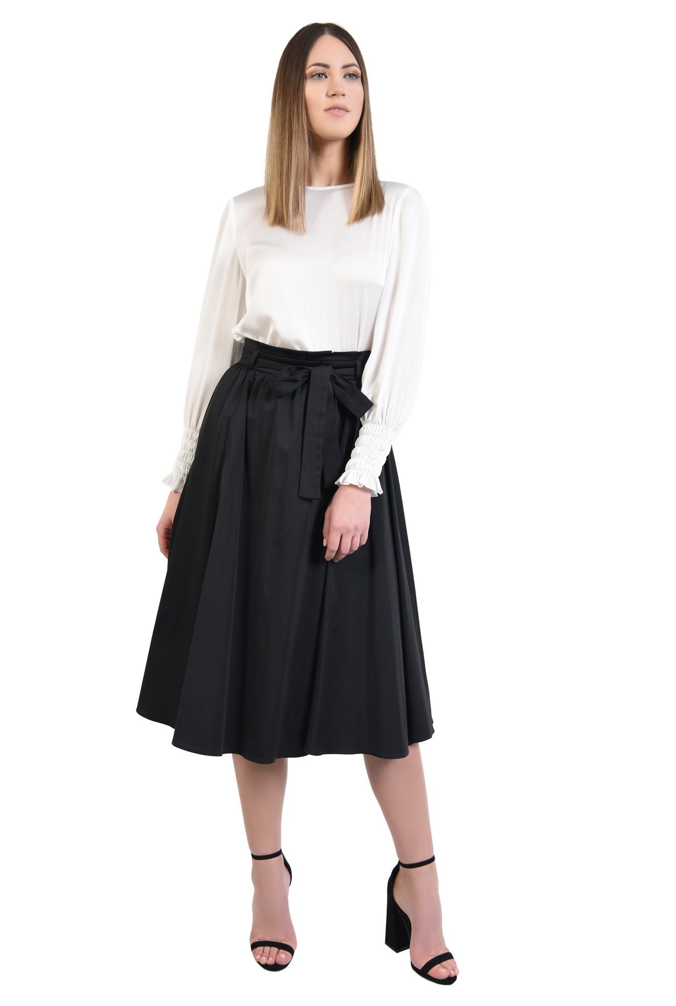 360 - fusta neagra eleganta, croi evazat, falduri, betelie plisata cu cordon