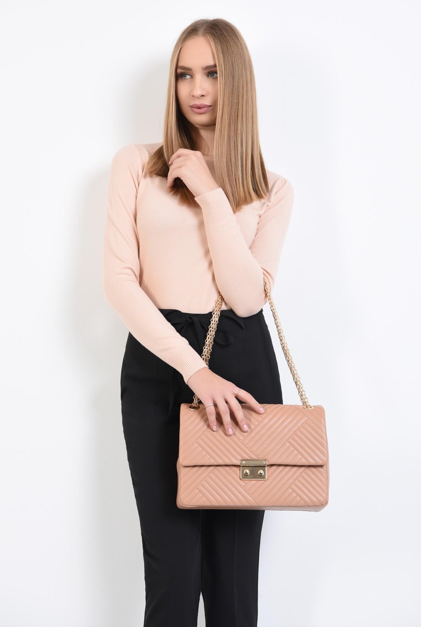 geanta din piele ecologica, roz nude, cu lant, detalii metalice aurii, geanta de umar