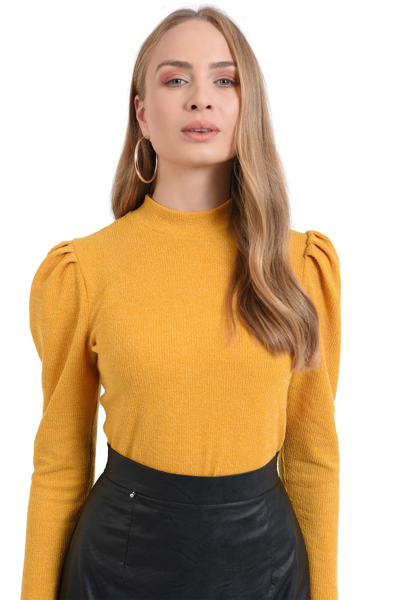 pulover mustar, casual, cu guler, cu umeri accentuati
