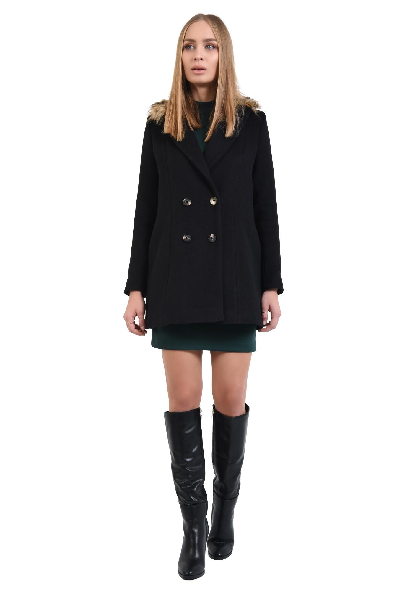 360 - palton negru, croi drept, nasturi, guler detasabil