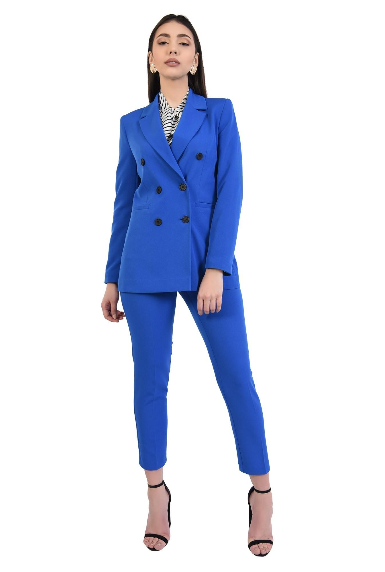 pantaloni conici, albastri, lungi, croi tigareta, talie medie