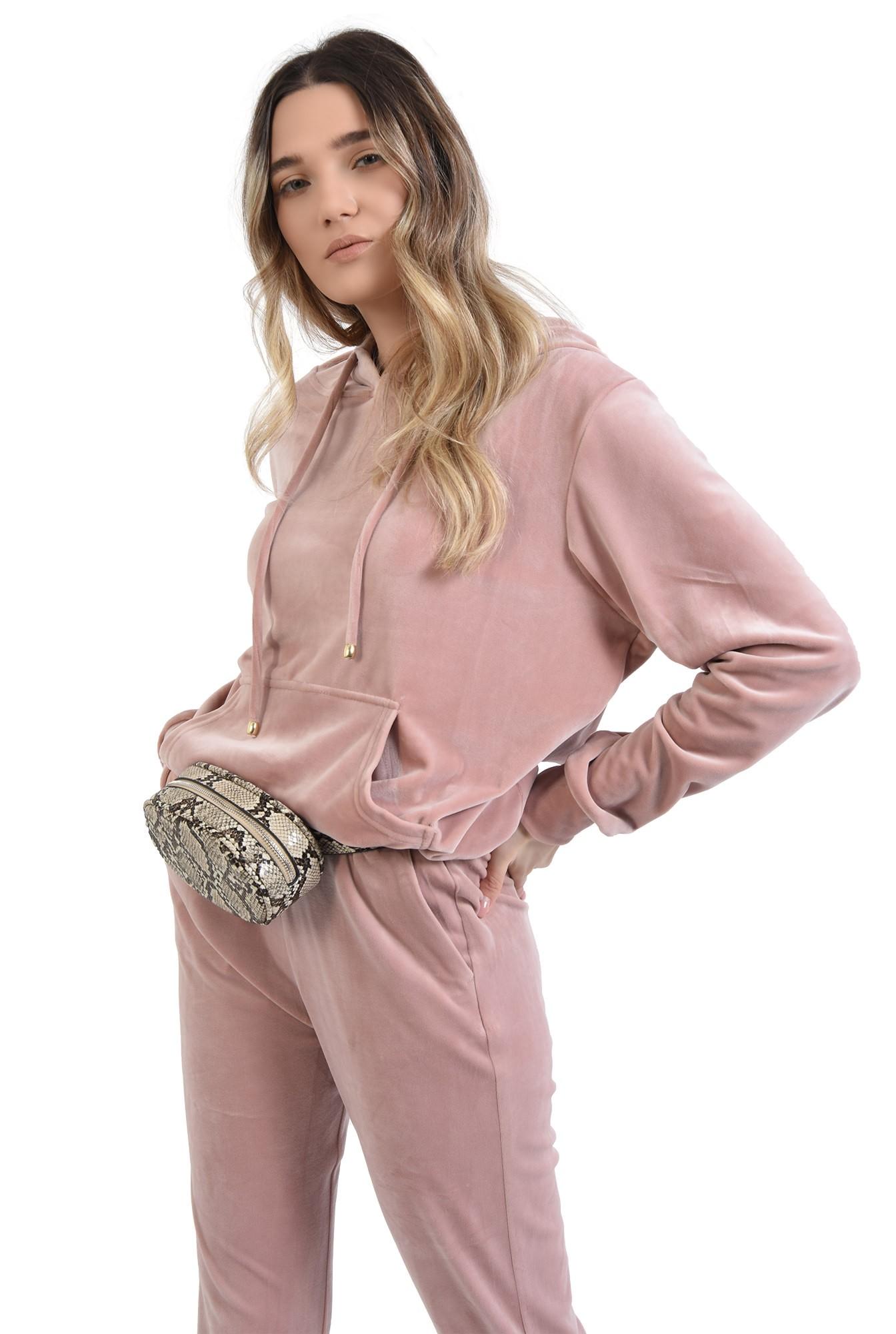 360 - pantaloni roz, din catifea, cu buzunare