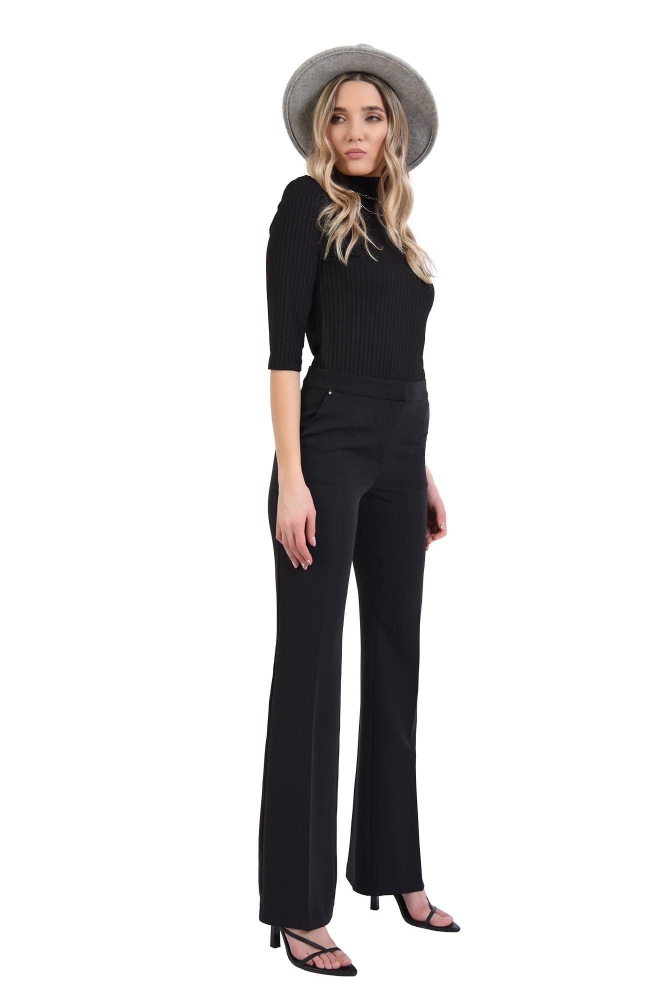 pantaloni cu talie medie, cu buzunare laterale