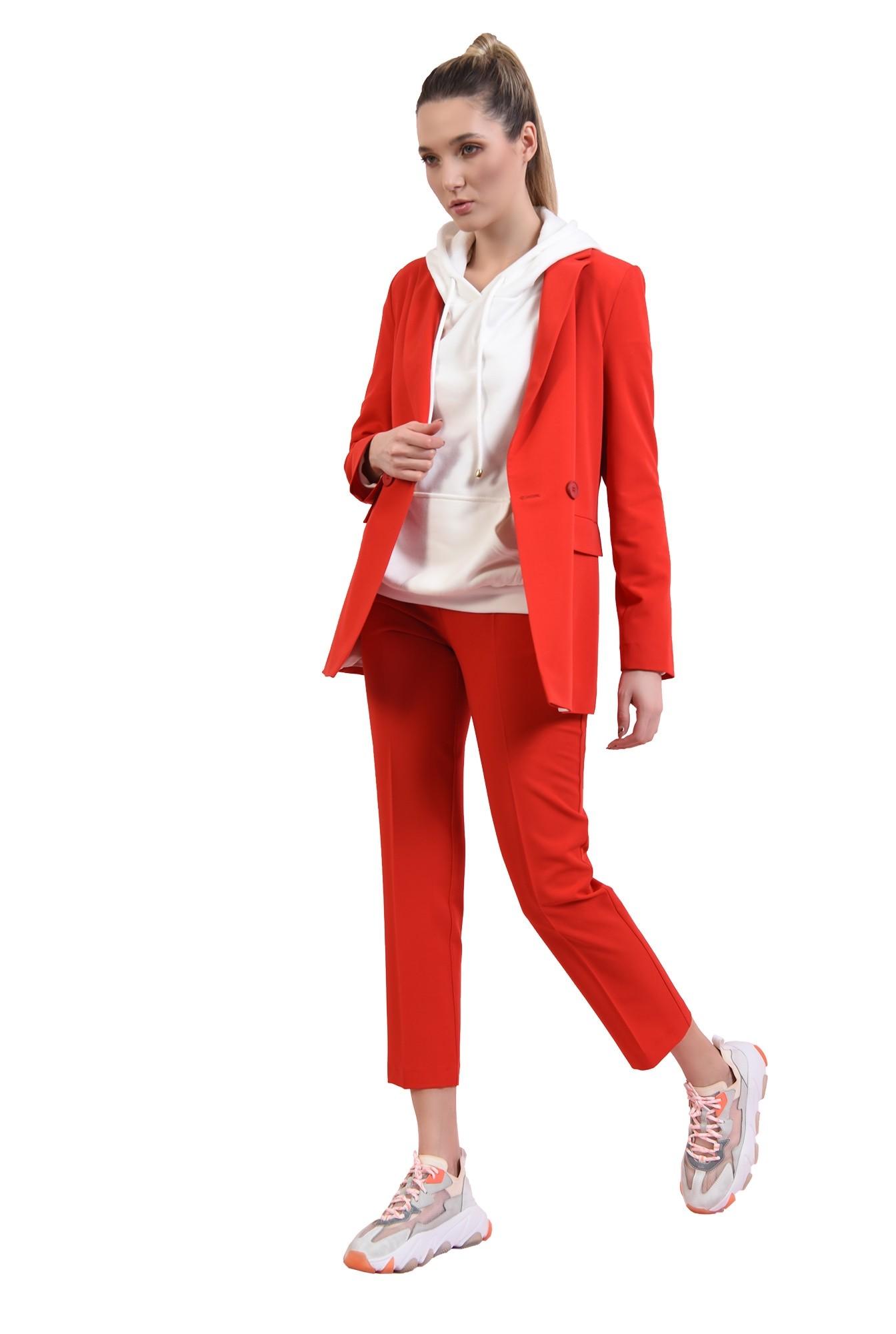 pantaloni rosii, conici, cu talie medie