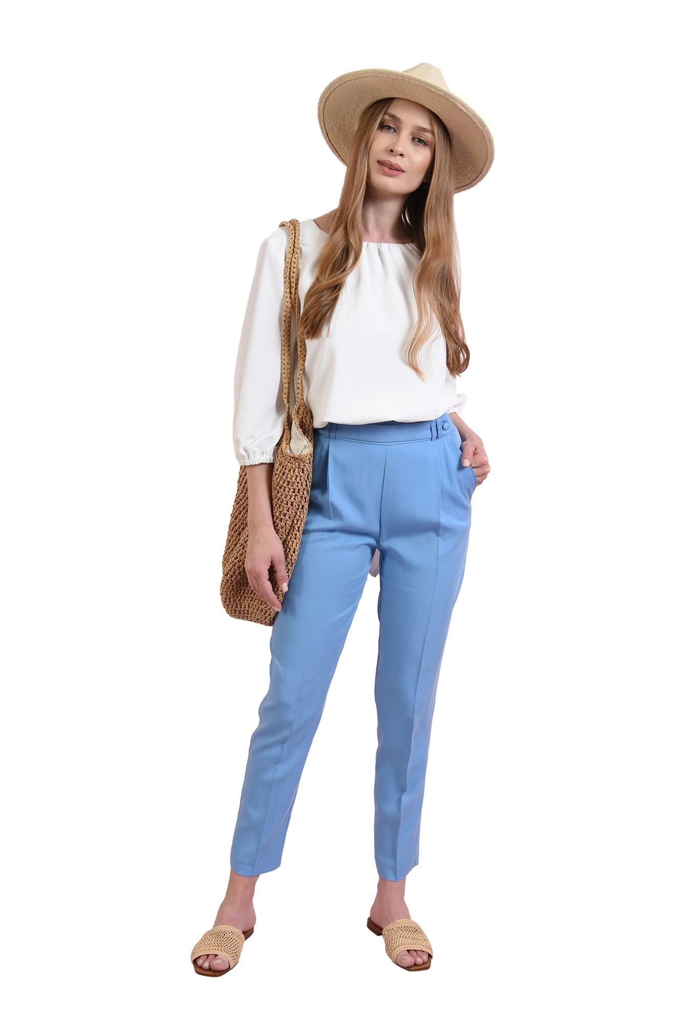 pantaloni bleu, cu betelie decorativa