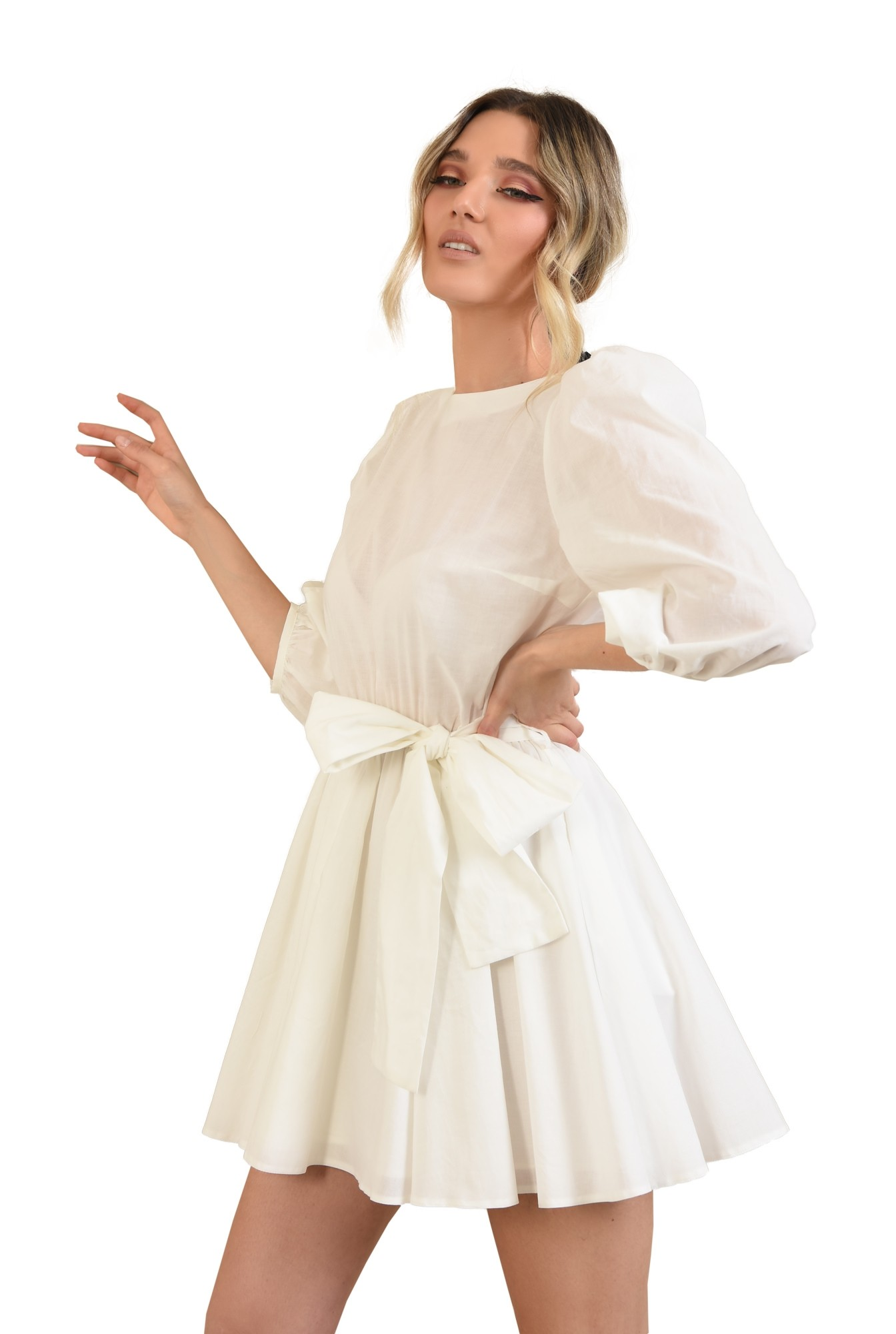 rochie casual, clos, scurta, cu cordon, maneci bufante, alb