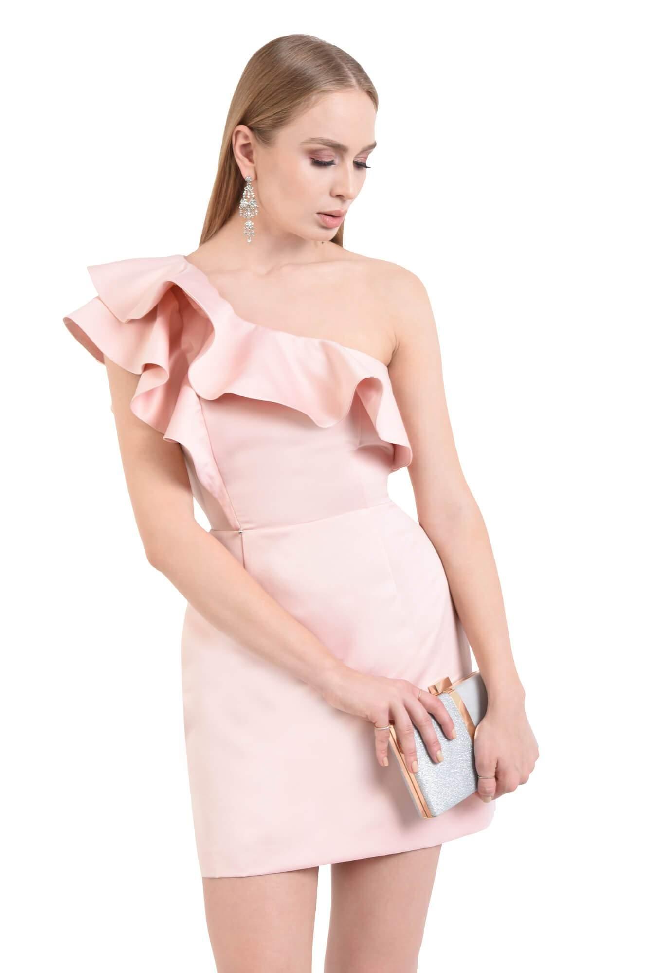 Rochie roz scurta eleganta cu volane