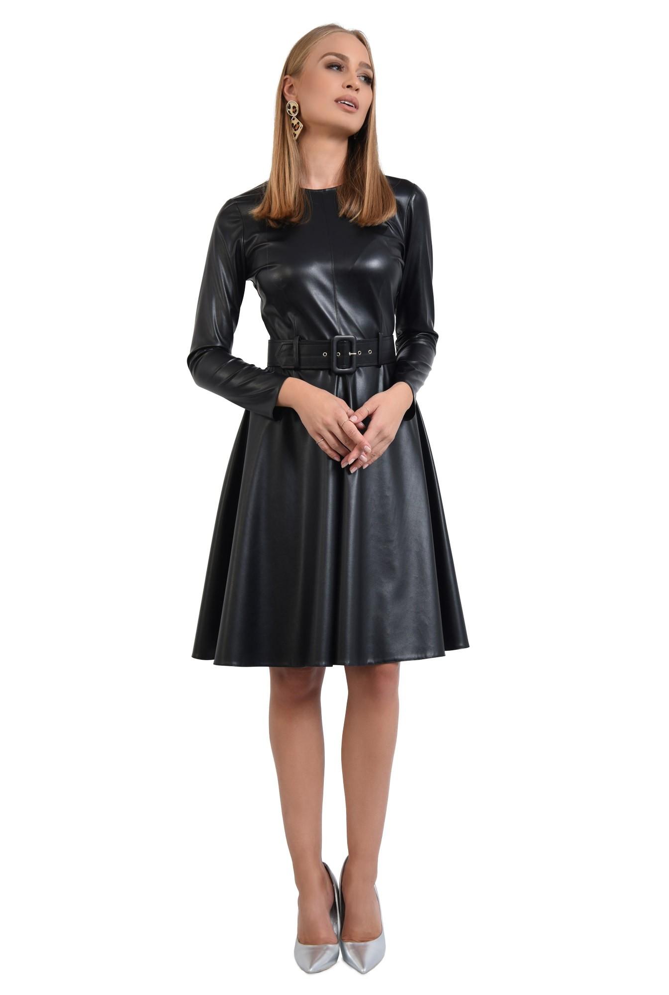rochie casual neagra, cusatura mediana, fermoar la spate, rochii online