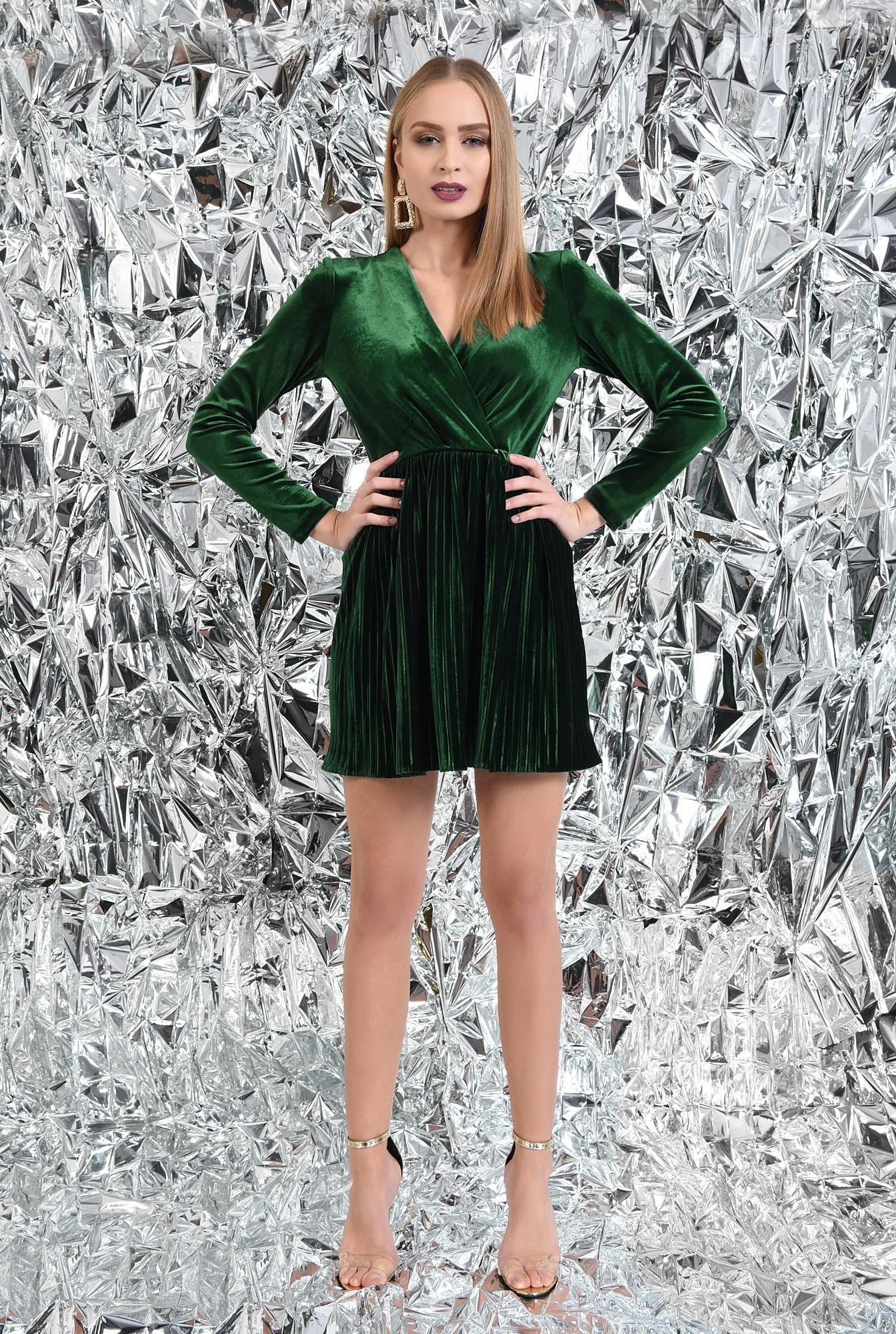 rochie de ocazie, din catifea, verde, cu pliseuri
