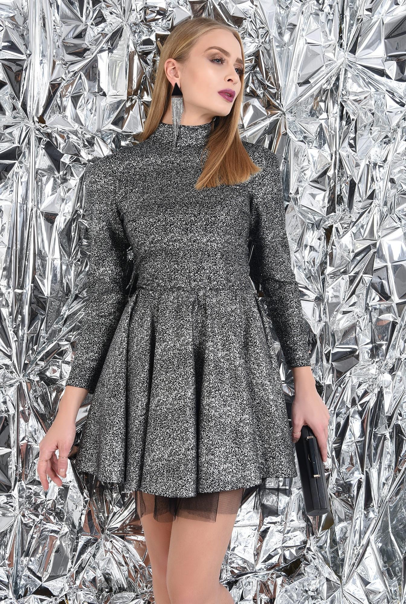 rochie de ocazie, picouri argintii metalizat, croi clos cu pliseuri late
