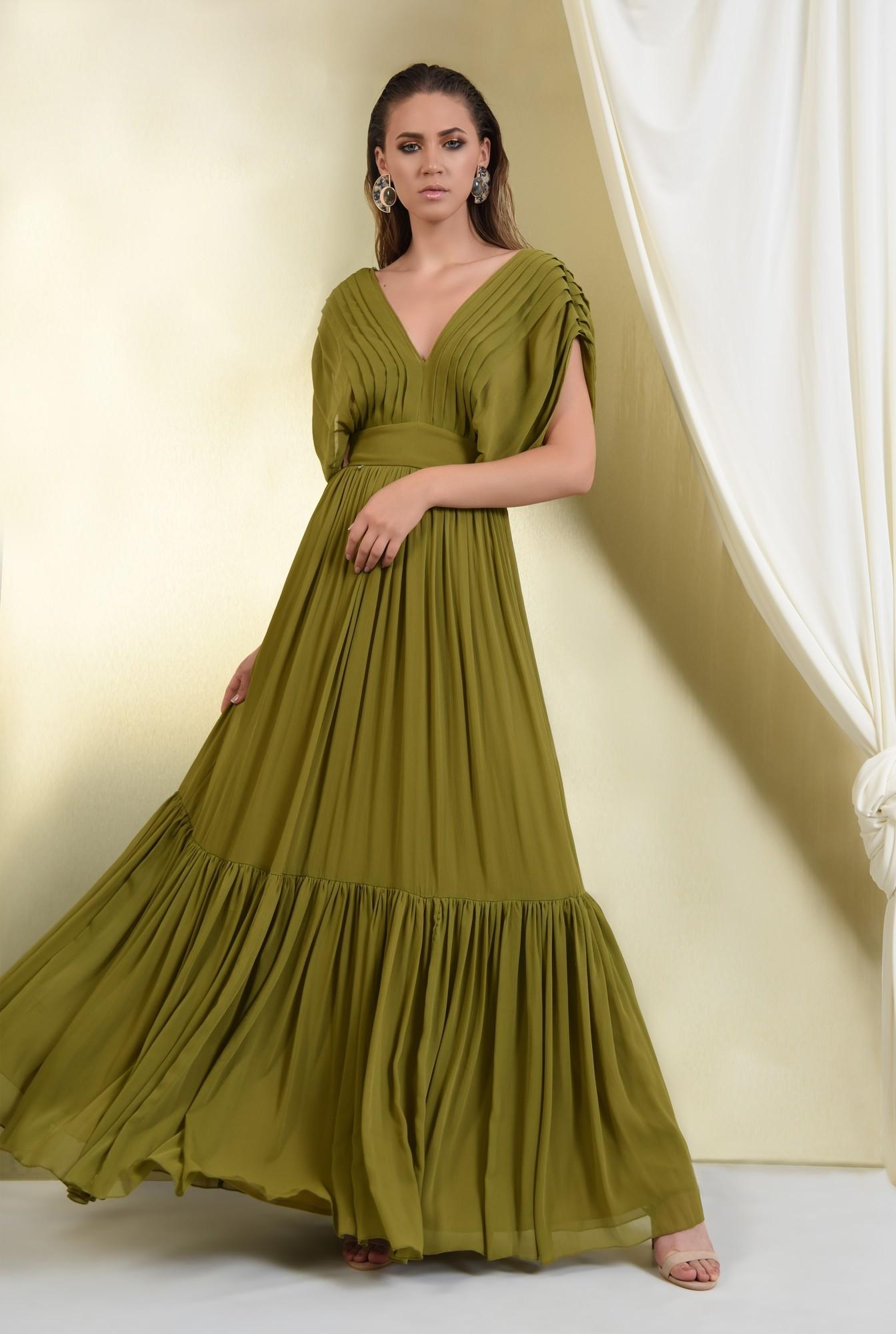 rochie de ocazie, lunga, din voal, pliuri decorative, fara maneci, volan amplu, despicata pe parti