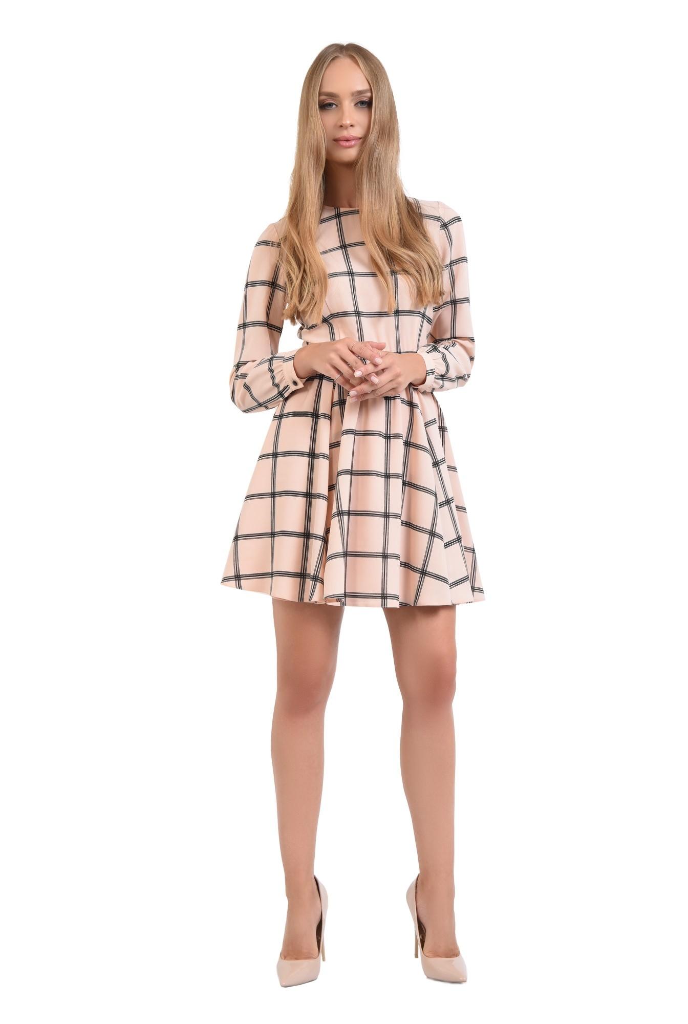 rochie mini, maneca lunga, decolteu la baza gatului