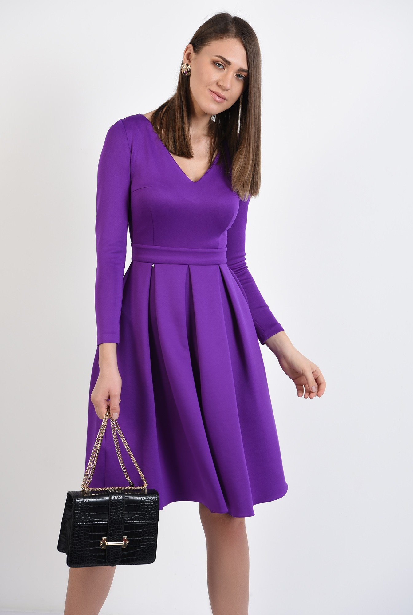 rochie eleganta, evazata, mov, cu pliuri late, maneci stretch