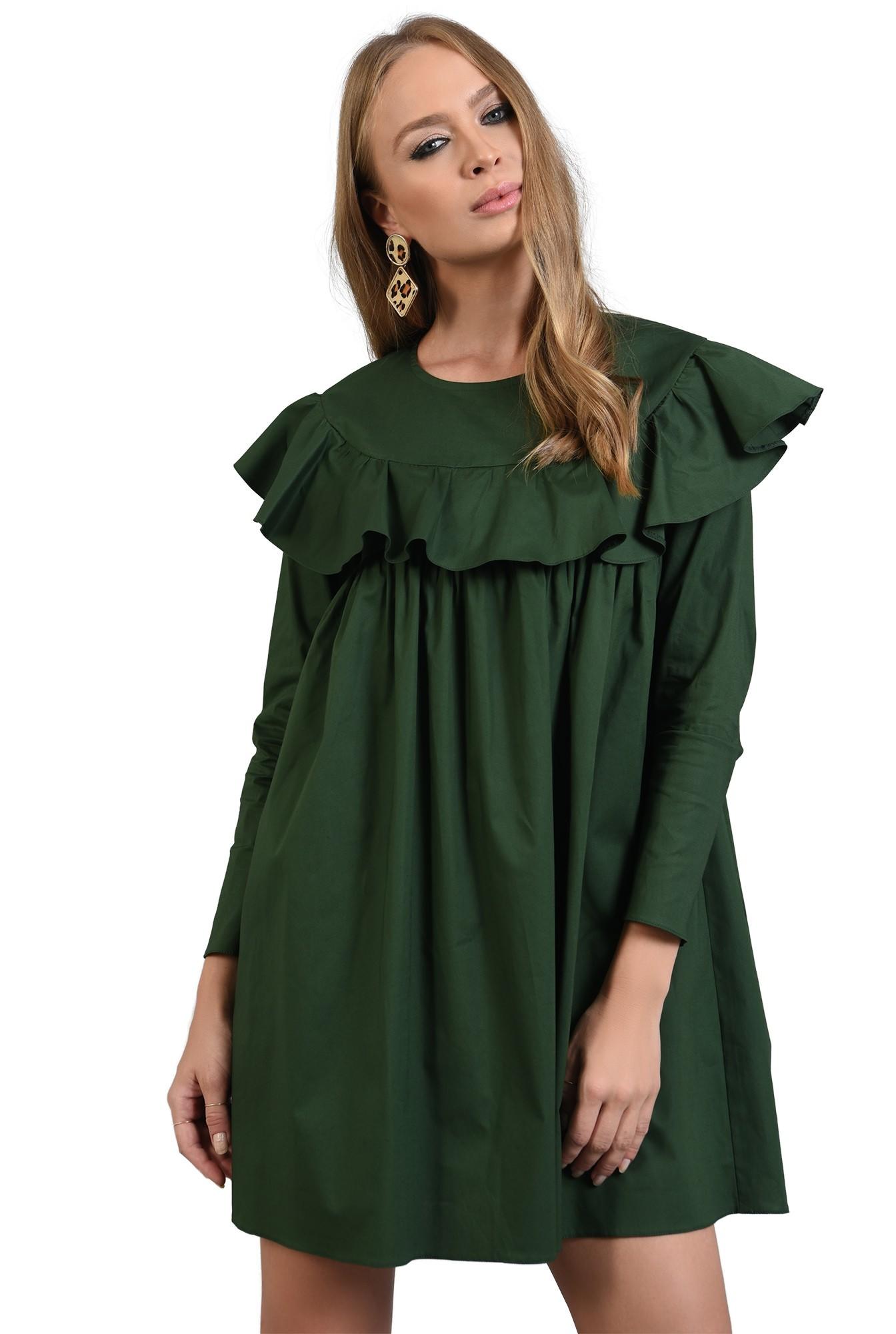 rochie verde, dreapta, cu volan, Poema
