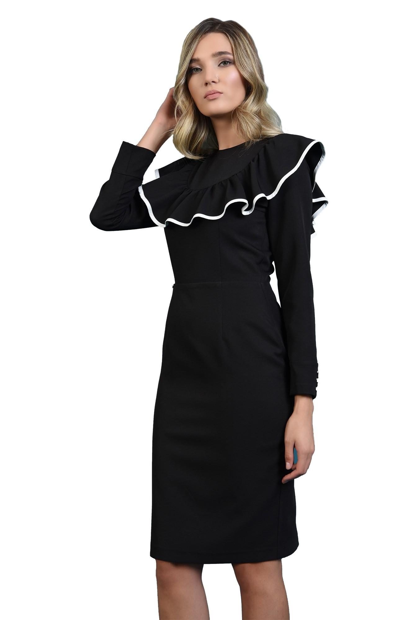 rochie cu volan in contrast, cu maneca lunga