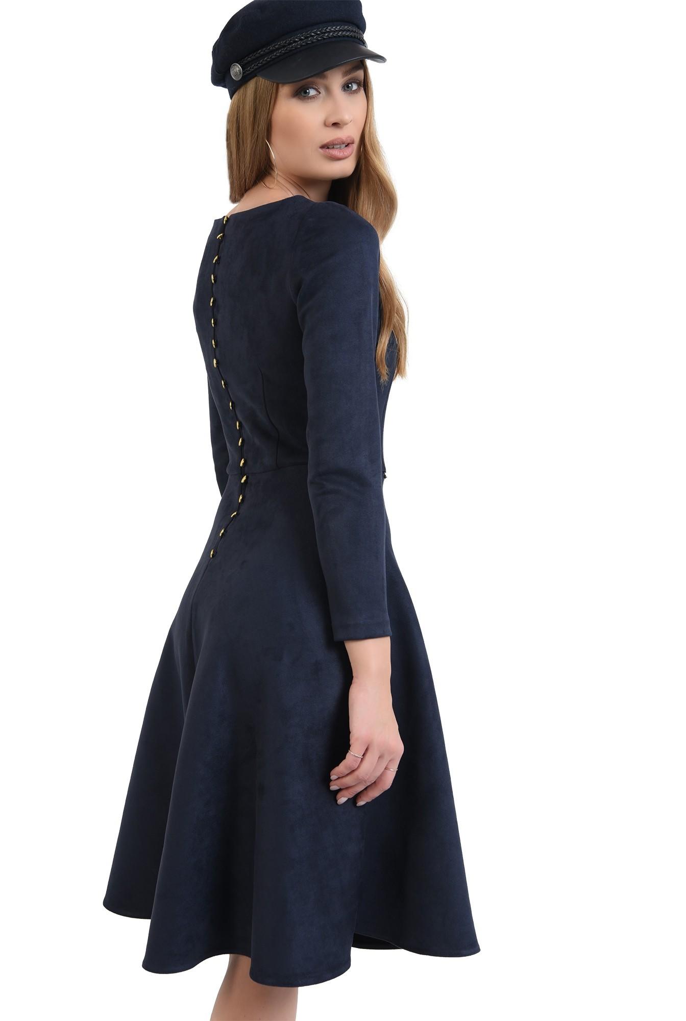 rochie cu nasturi metalici, evazata, cu decolteu rotund
