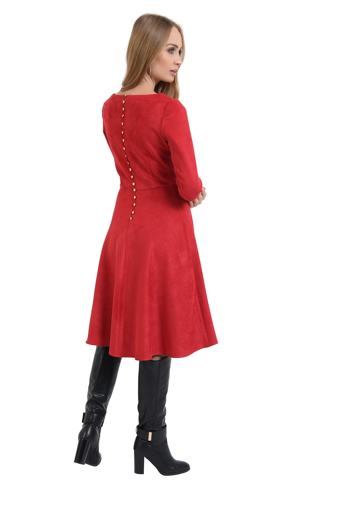 rochie rosie, cu nasturi metalici la spate, evazata