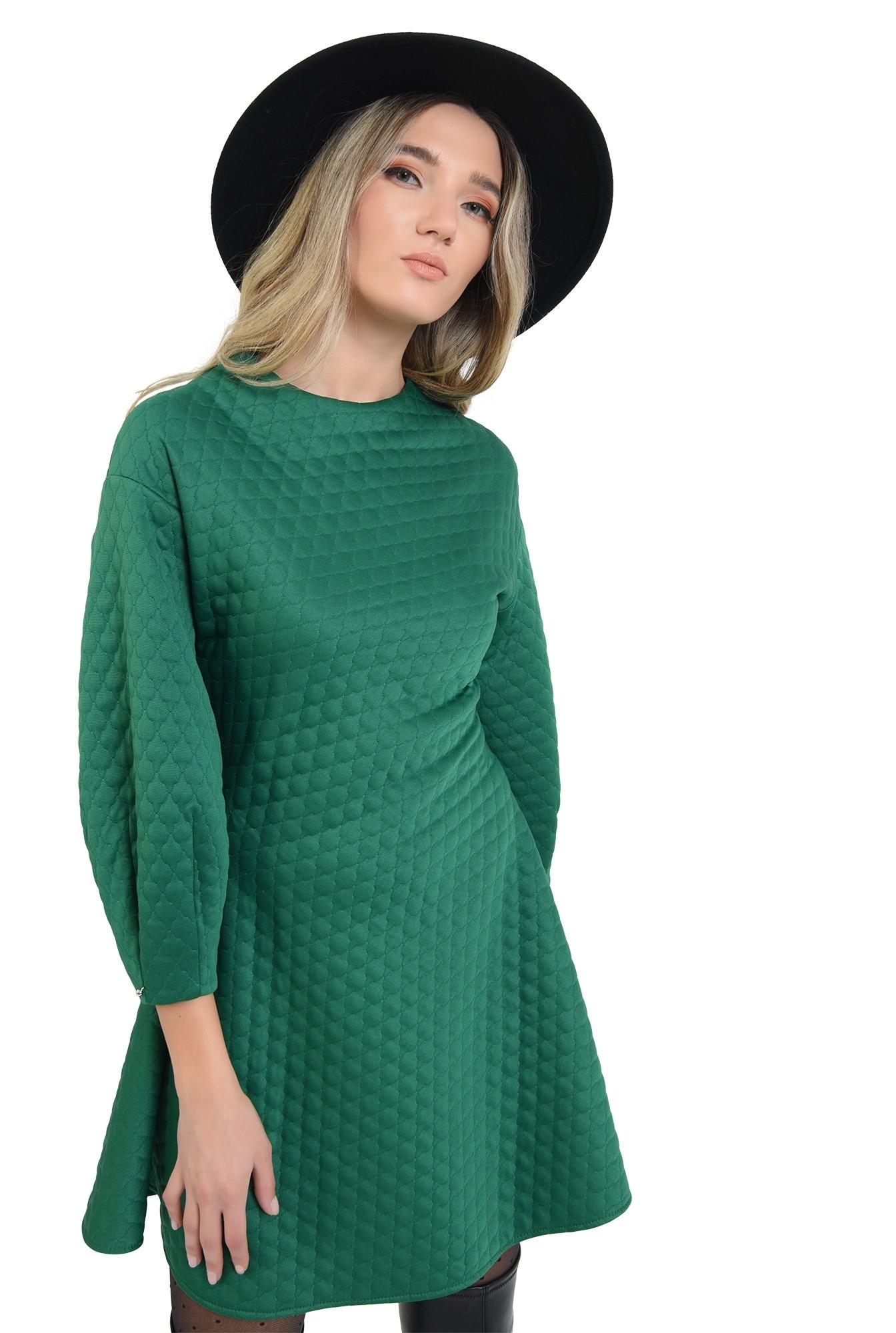 rochie din material matlasat, verde, scurta, evazata