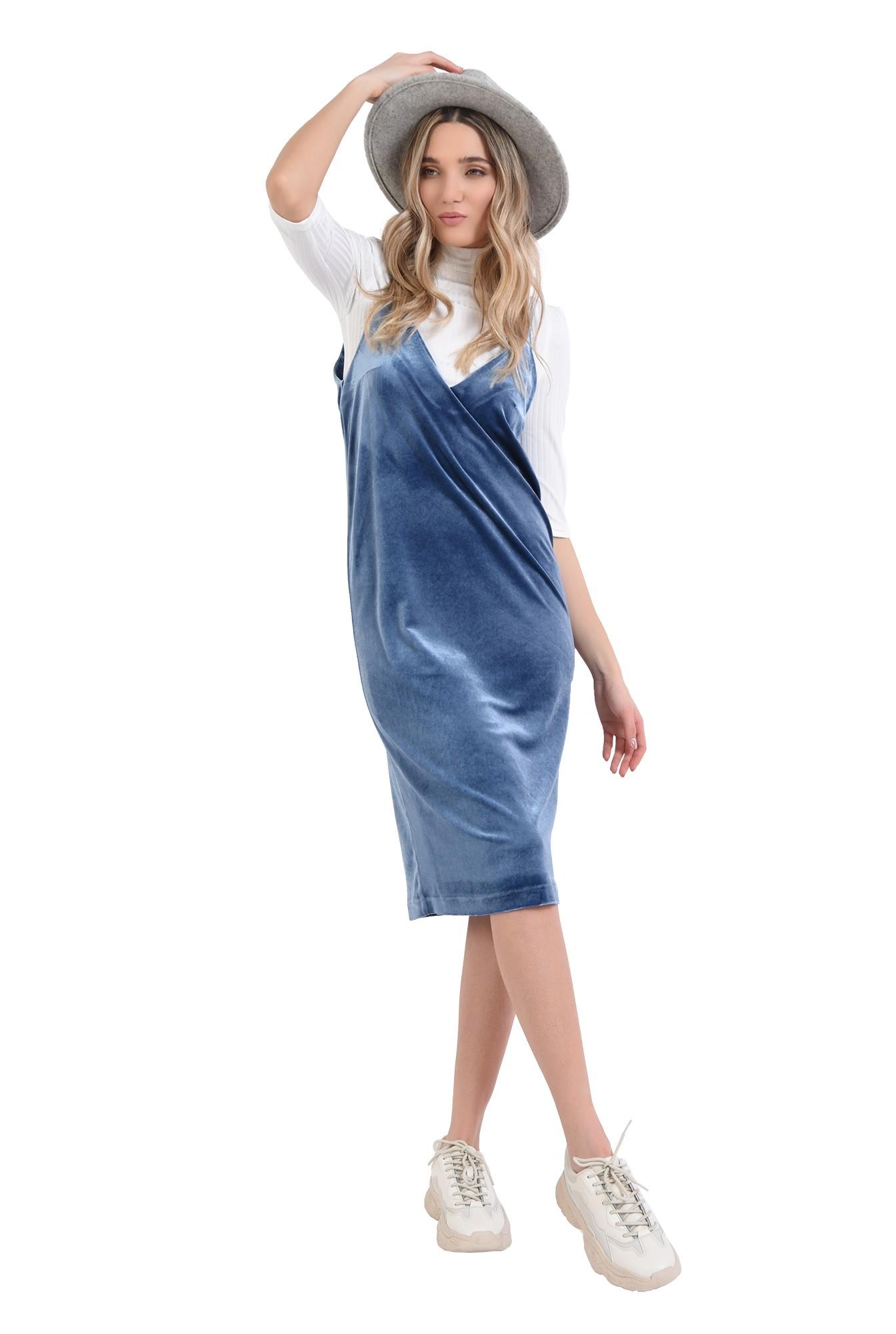 rochie din catifea, midi, cu decolteu amplu