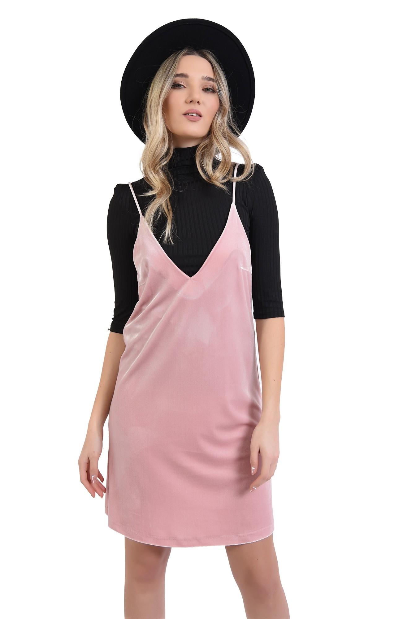 rochie din catifea, roz, cu decolteu in V