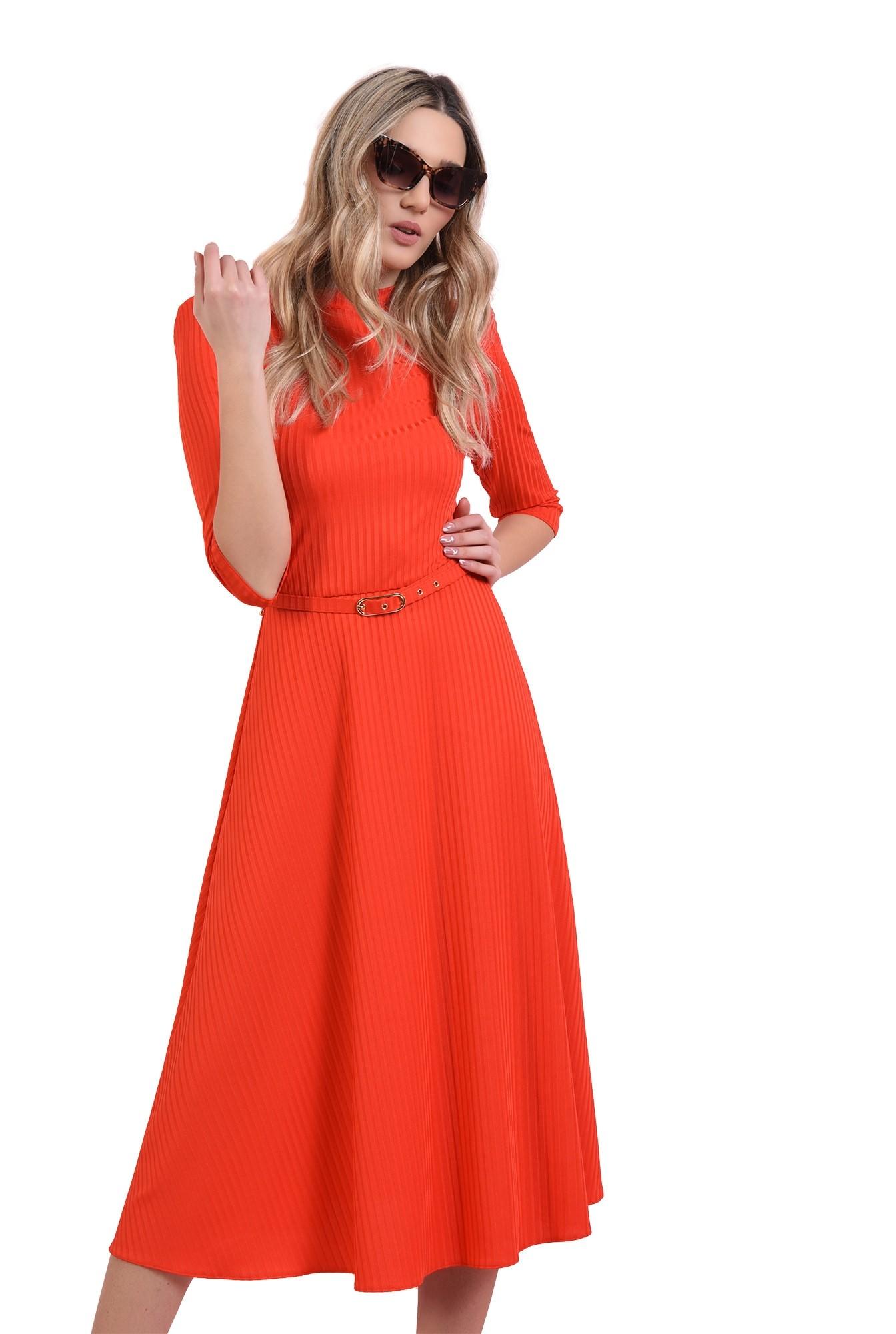 rochie rosie, evazata, cu centura