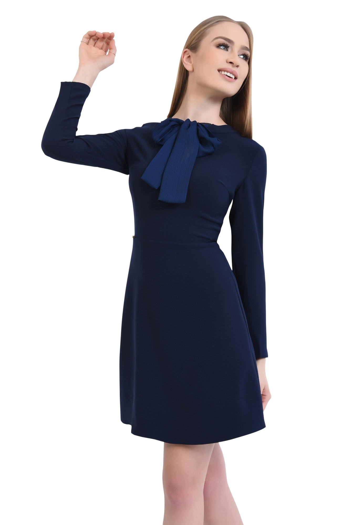 rochie mini, croi A-line, talie cambrata, rochii online