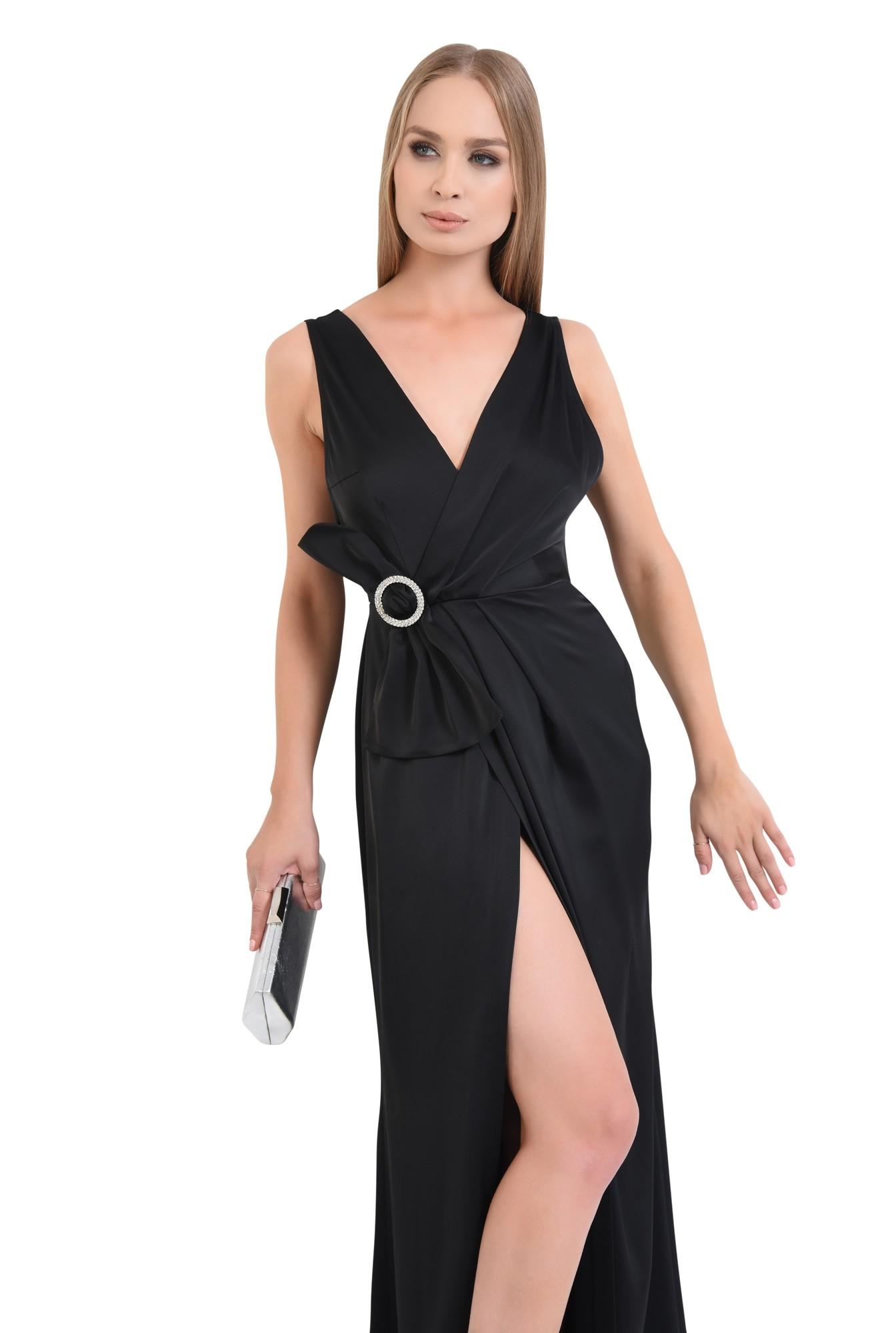 rochie de seara, petrecuta, neagra, satin, cu funda, strasuri