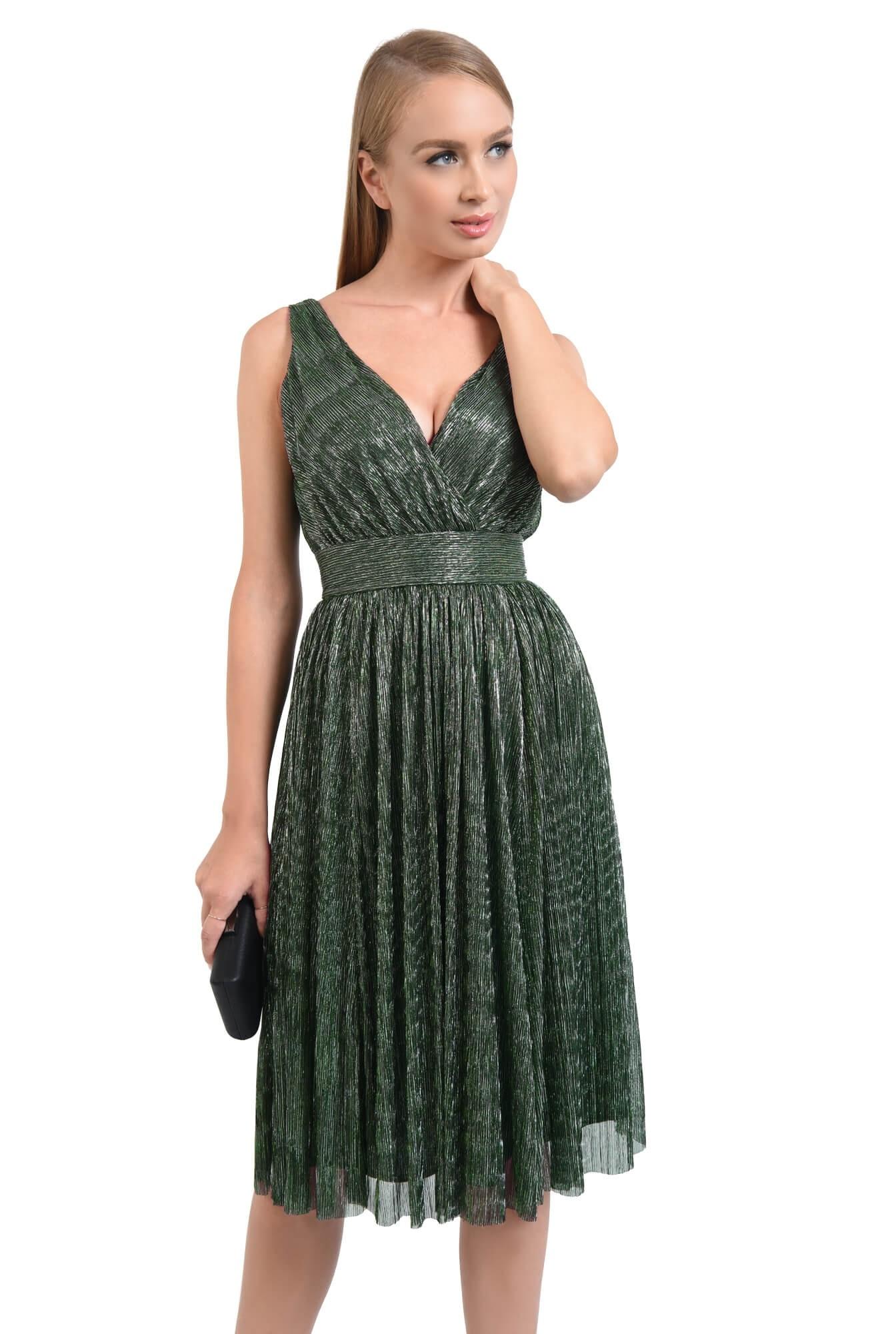 rochie de seara, clos, betelie lata, decolteu anchior, verde