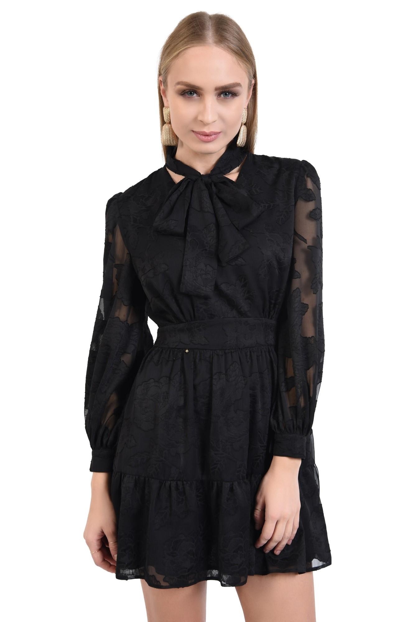 rochie neagra, little black dress, croi evazat cu volan