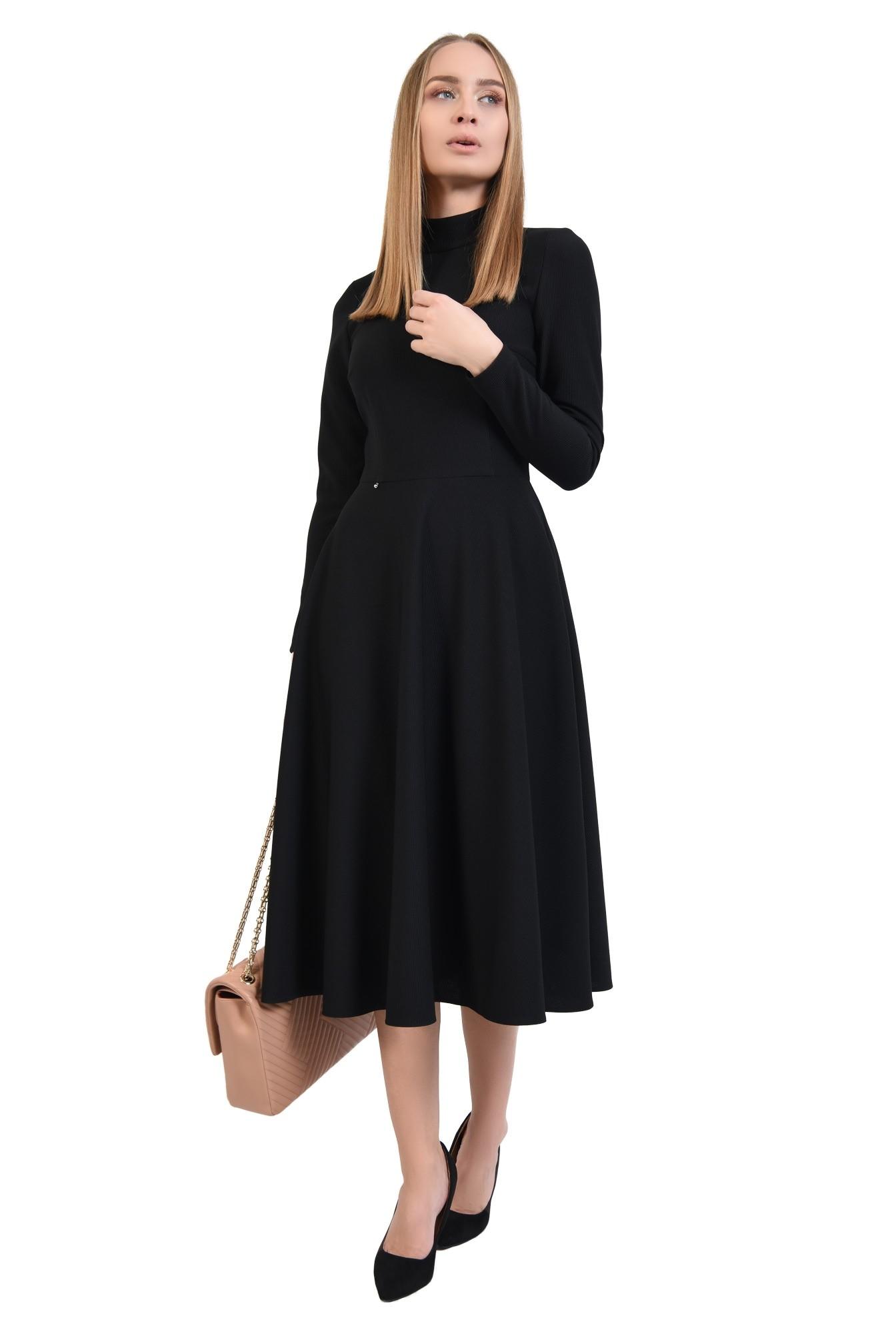 rochie casual, neagra, evazata, nasturi la spate, guler inalt