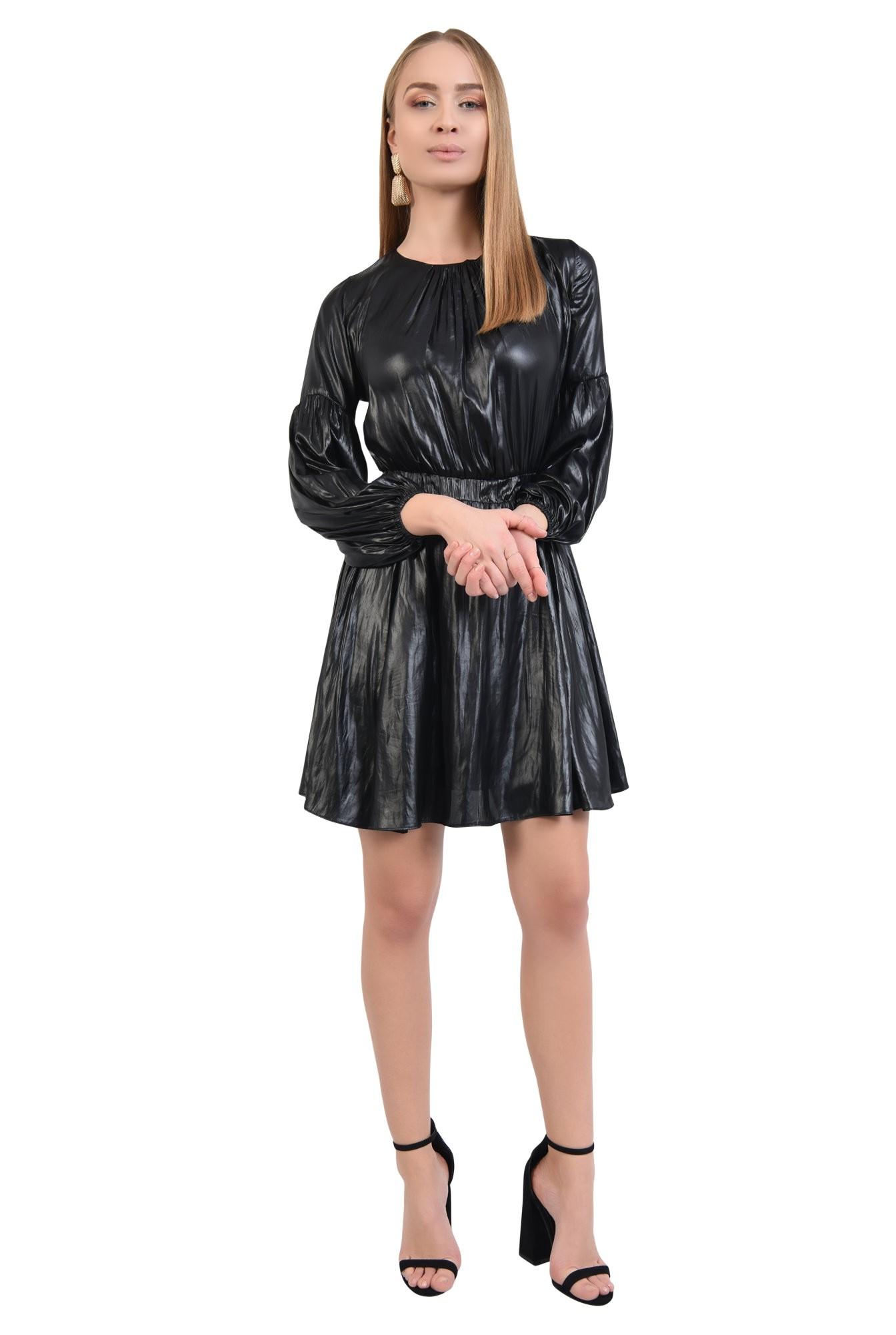 rochie neagra, mini, casual, fronseuri la decolteu