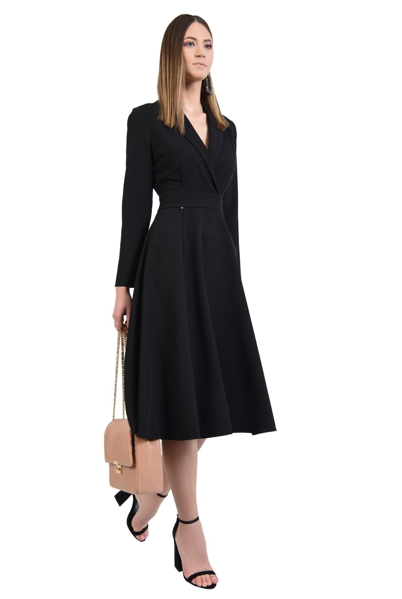 rochie neagra, evazata, midi, talie cu betelie, maneci ajustate